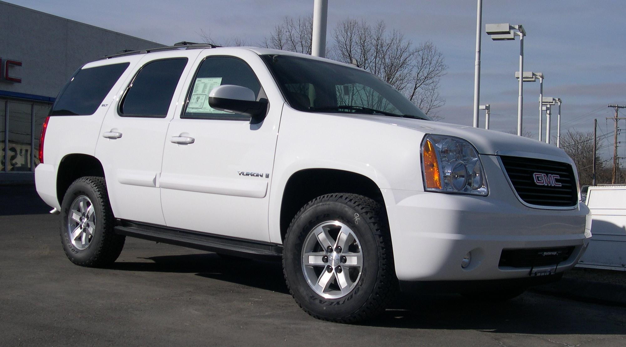 File:2007 GMC Yukon.jpg - Wikimedia Commons