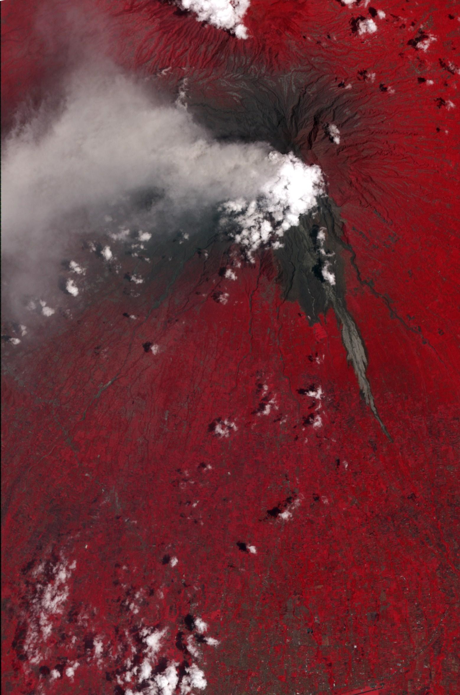 Извержение вулкана Маунт Мерапи