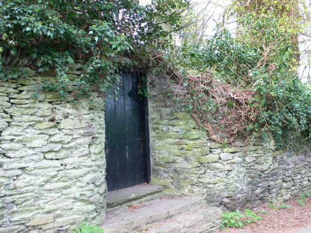 Another secret garden - geograph.org.uk - 417484