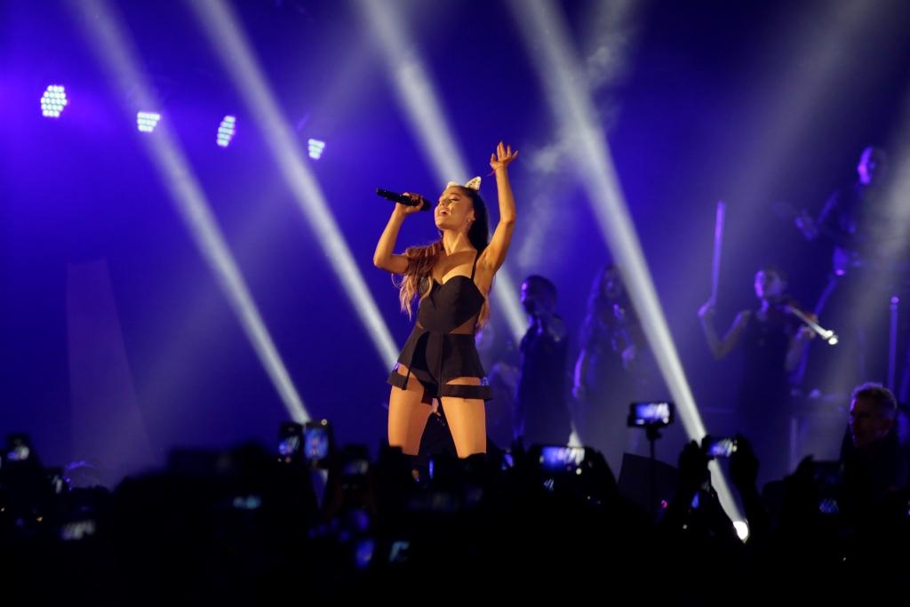 Ariana grande dangerous woman visual 1 4