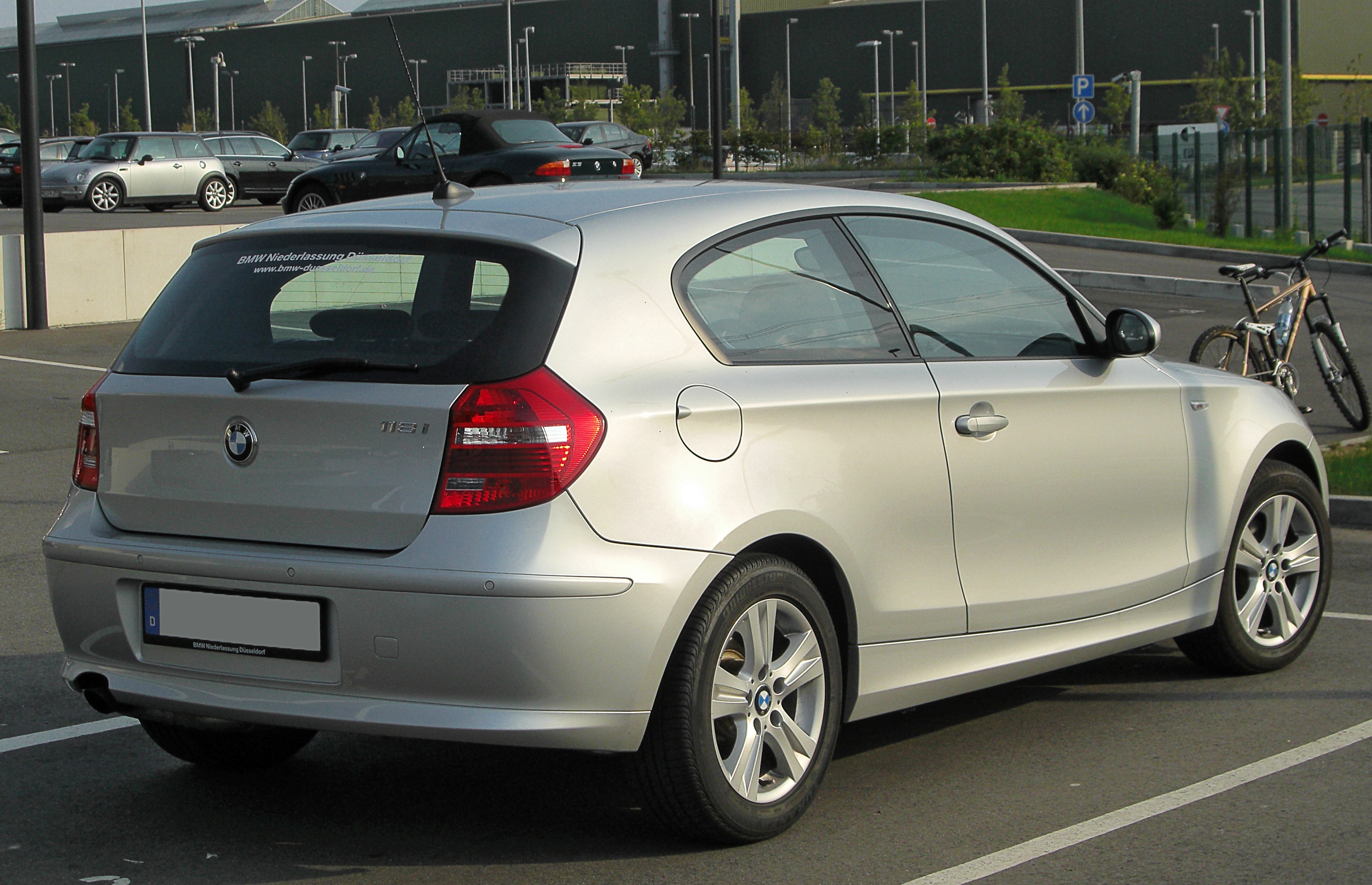 File Bmw 118i E81 Facelift Rear 20100814 Jpg Wikimedia