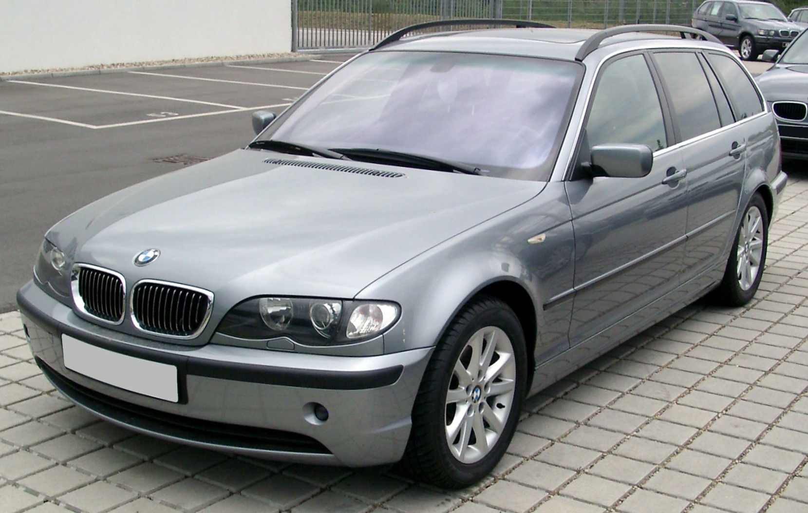 file bmw e46 touring front wikimedia commons. Black Bedroom Furniture Sets. Home Design Ideas