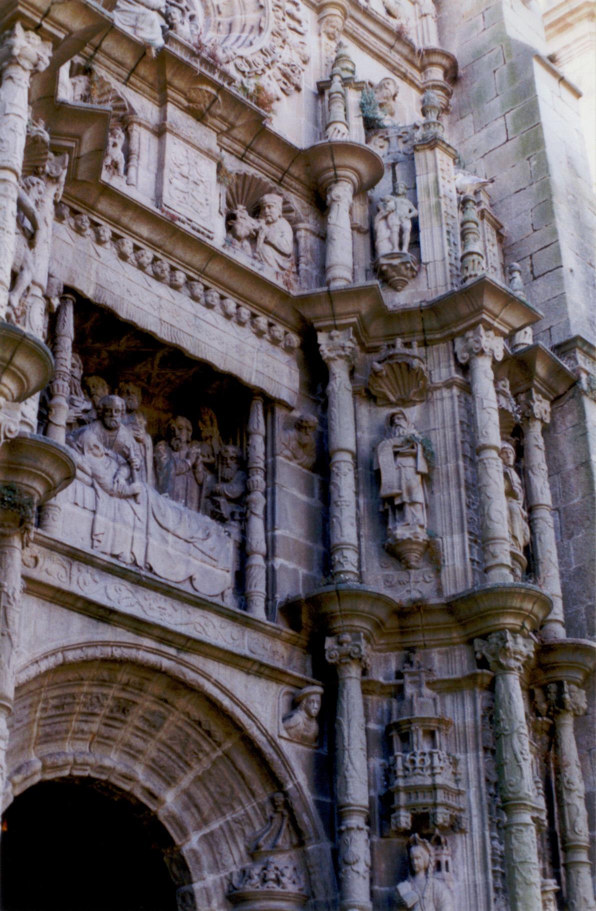 sitio Virgen estilo perrito en Orense