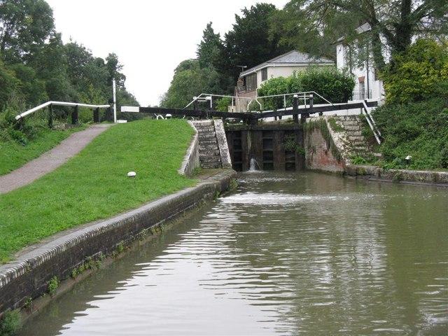 Below Leighton Lock - geograph.org.uk - 956600