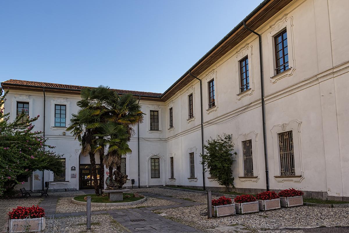 Palazzo marliani cicogna wikipedia for Le torri arredamento busto arsizio