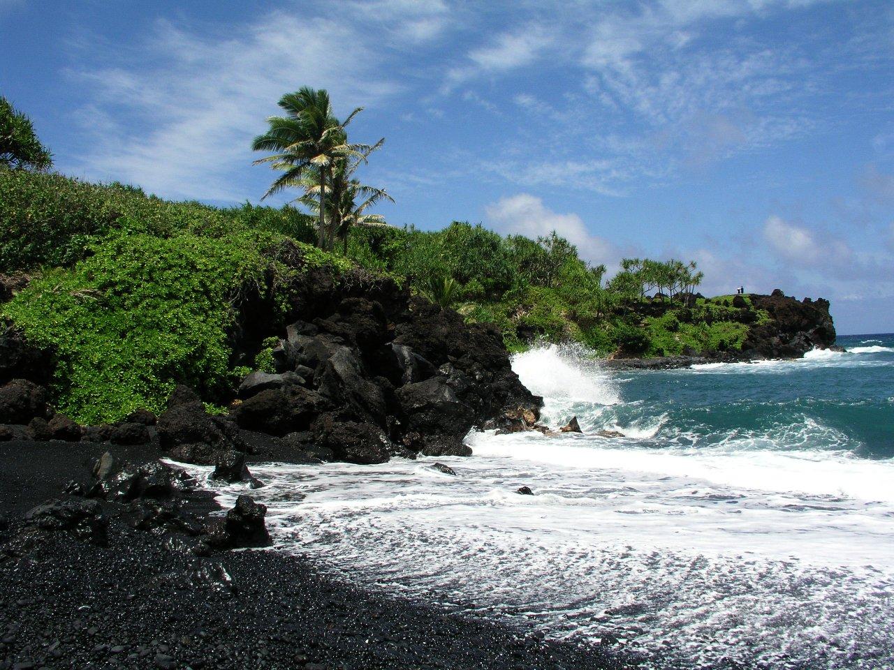 File Black Sand Beach Near Hana Maui Jpg
