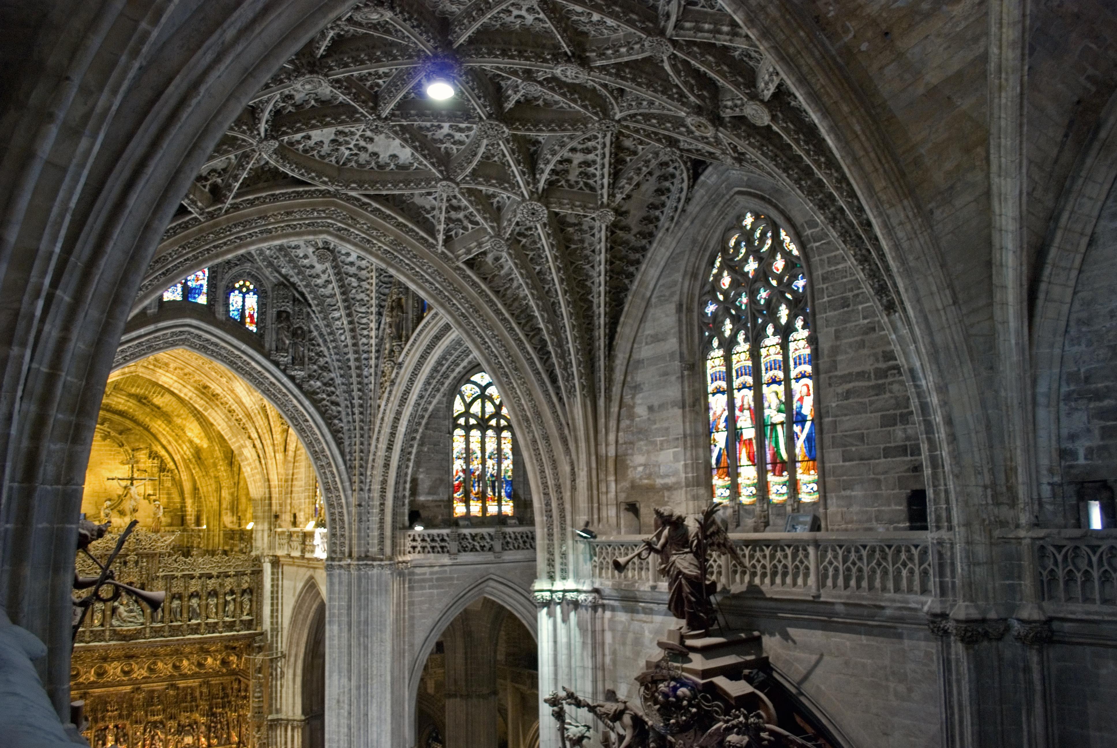 File bovedas catedral sevilla wikimedia commons - Catedral de sevilla interior ...