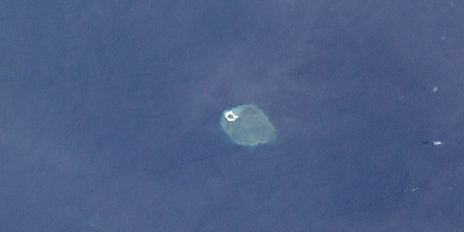https://upload.wikimedia.org/wikipedia/commons/3/38/Bramble_Cay_(Landsat).png