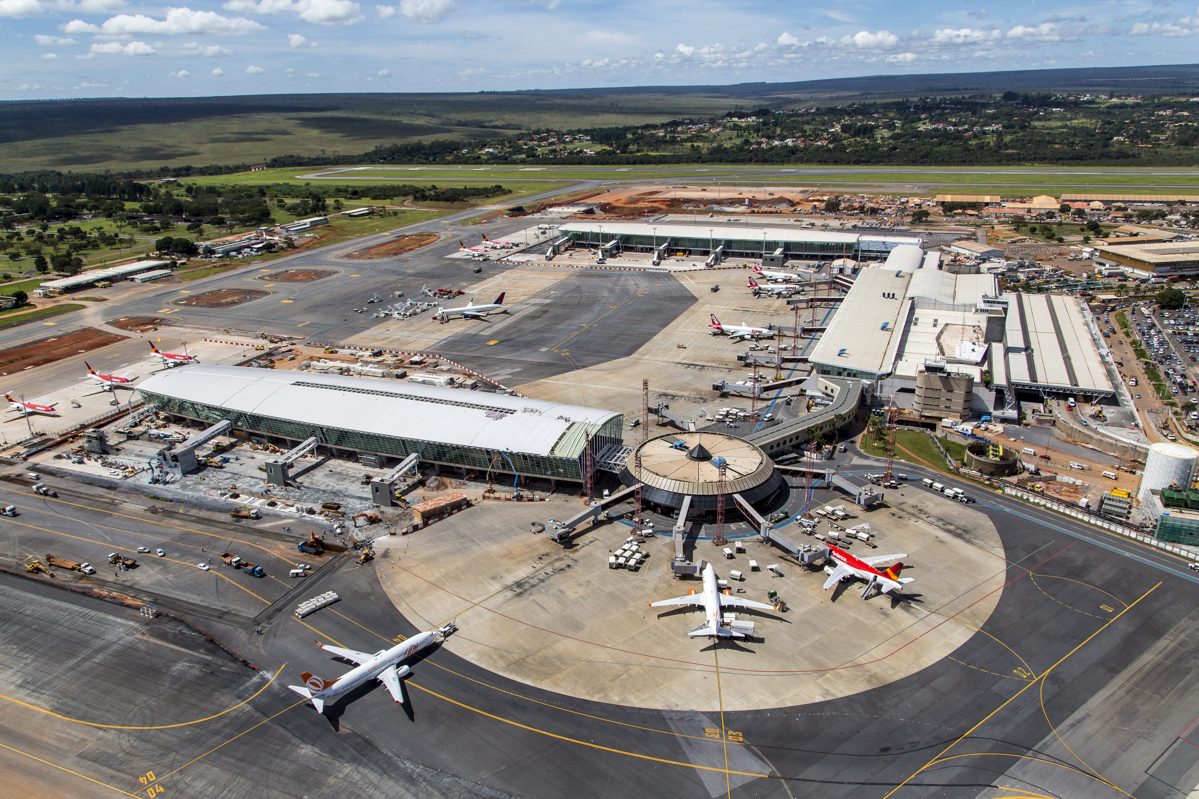 Resultado de imagem para terminal 1 aeroporto jk