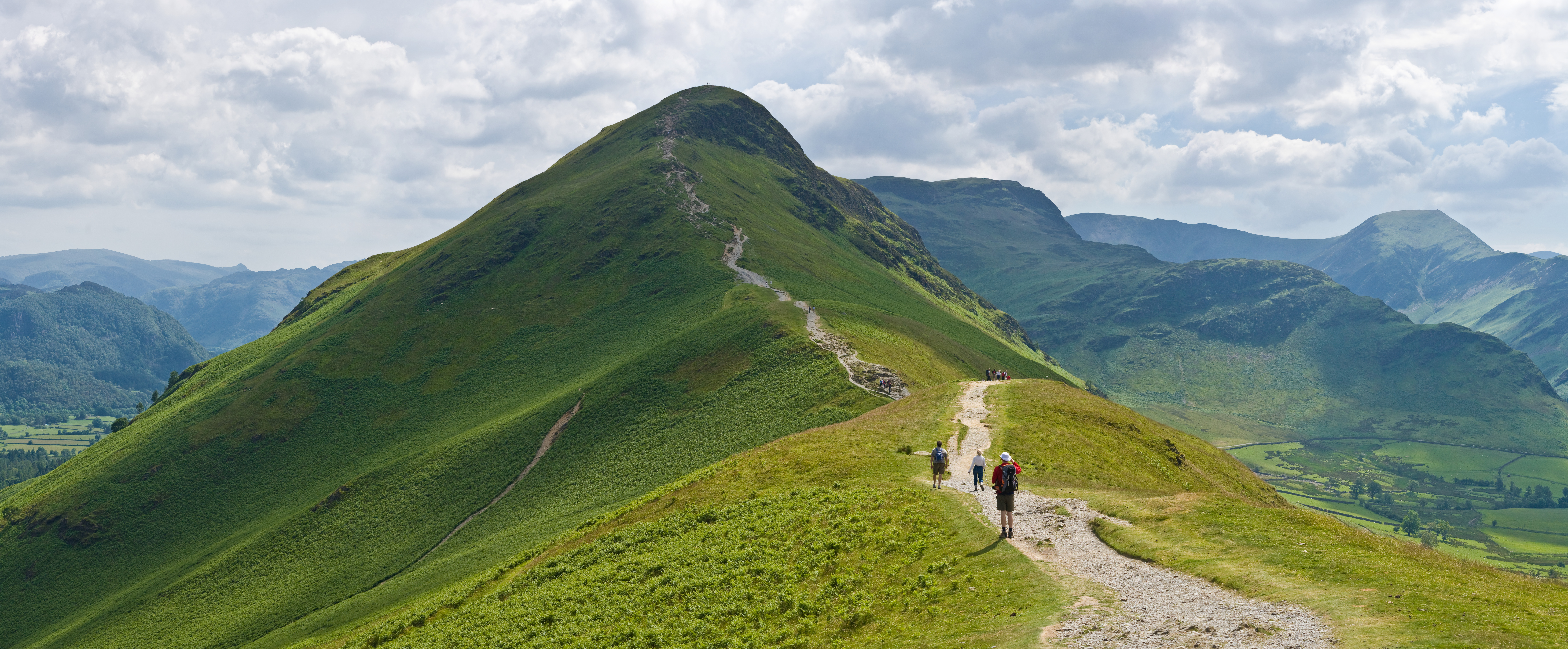 Catbells_Northern_Ascent,_Lake_District_