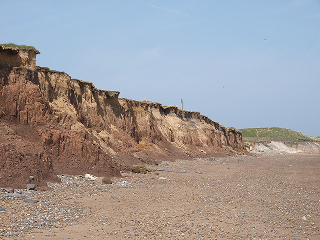 Cliffs east of Redcar - geograph.org.uk - 795354