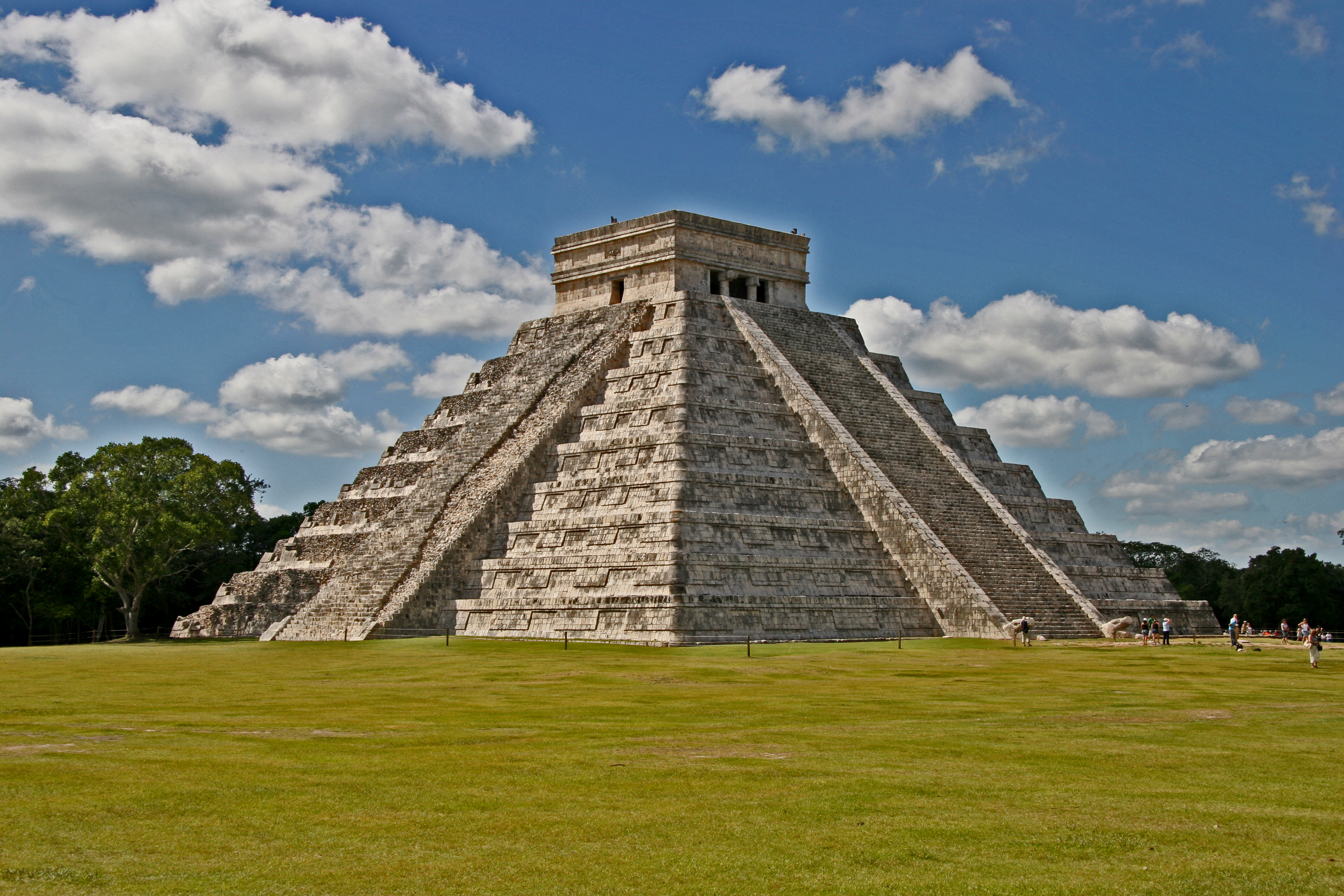 File:El Castillo Stitch 2008 Edit 2.jpg - Wikipedia