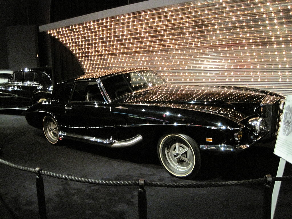 File elvis presley automobile museum memphis tn 2013 03 24 for Musictown motor cars tennessee