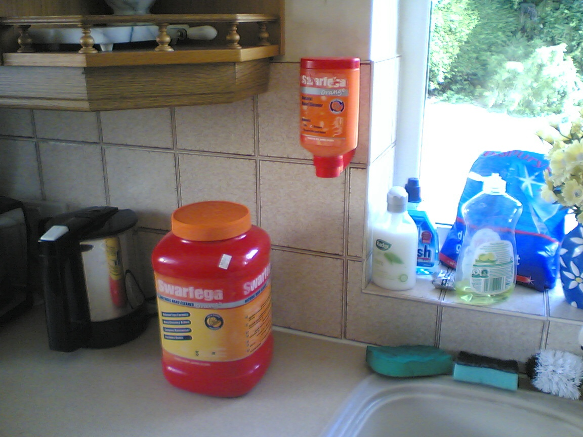 Cleaning Grease Off Kitchen Cabinets