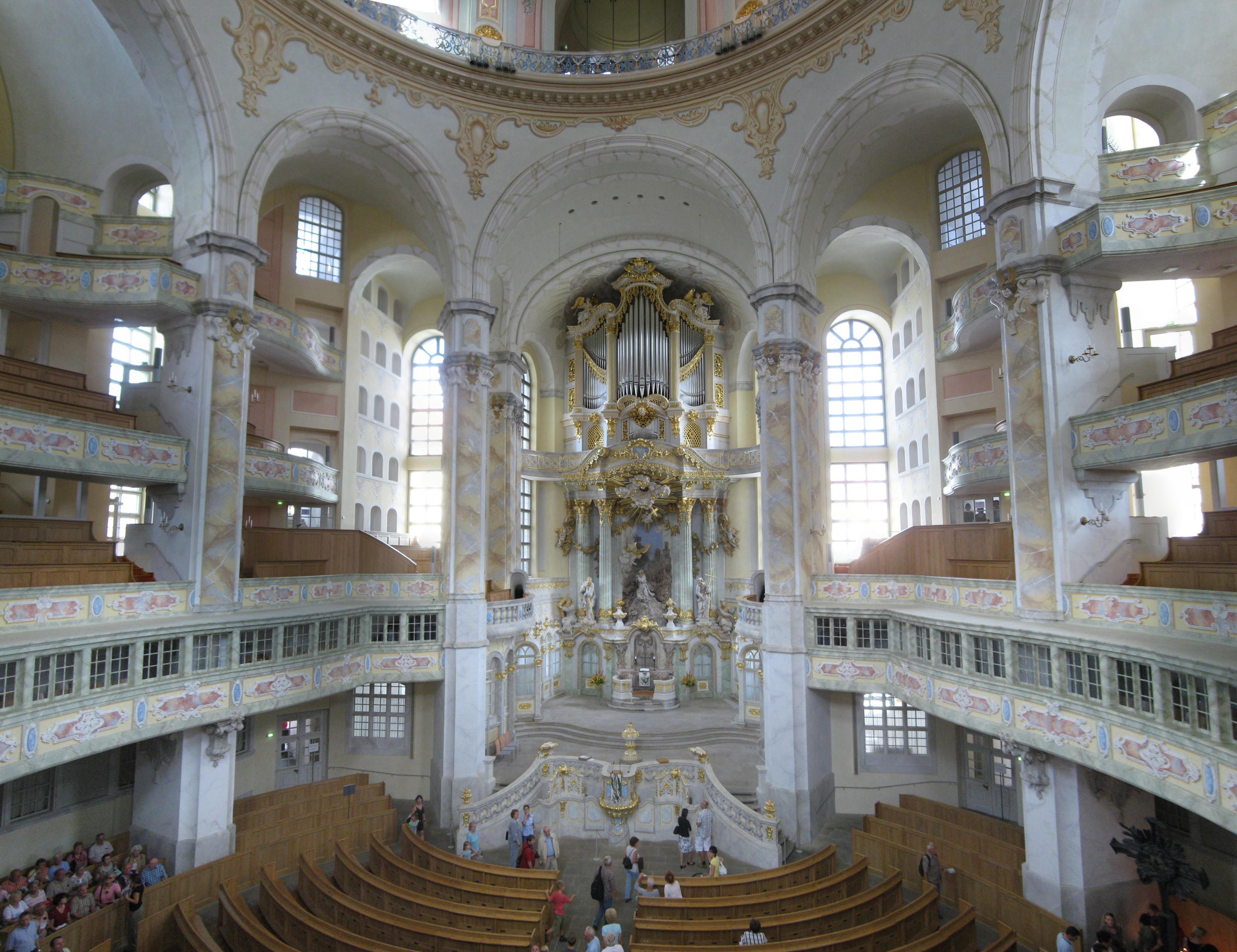 Frauenkirche_interior_2008_001-Frauenkir