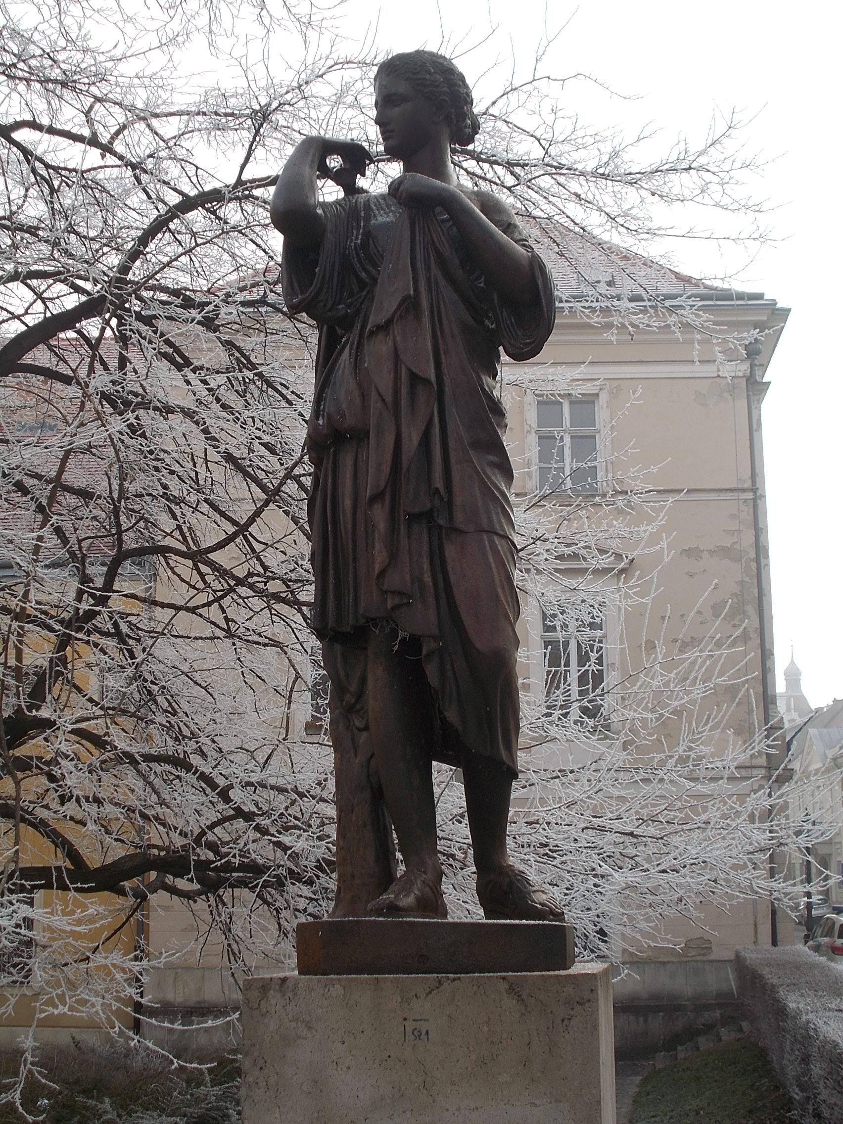 artemis statue diana filefrost artemis statue uri street 2017 budapestjpg