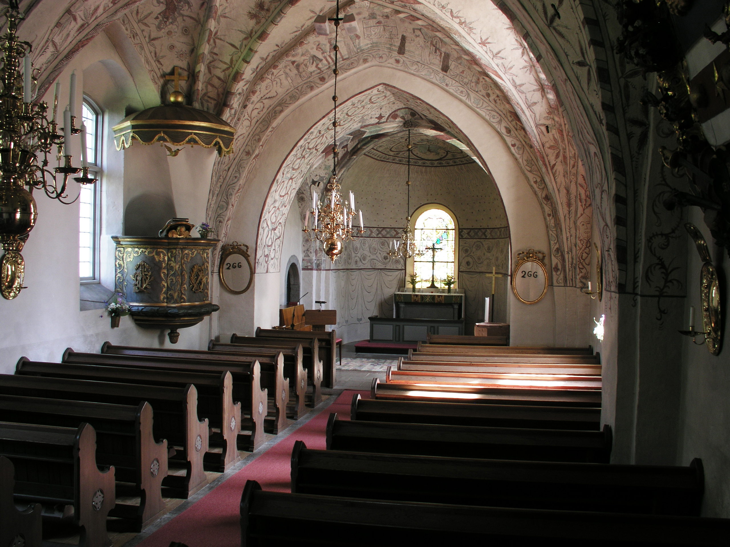http://upload.wikimedia.org/wikipedia/commons/3/38/Kaga_kyrka_nave1.jpg