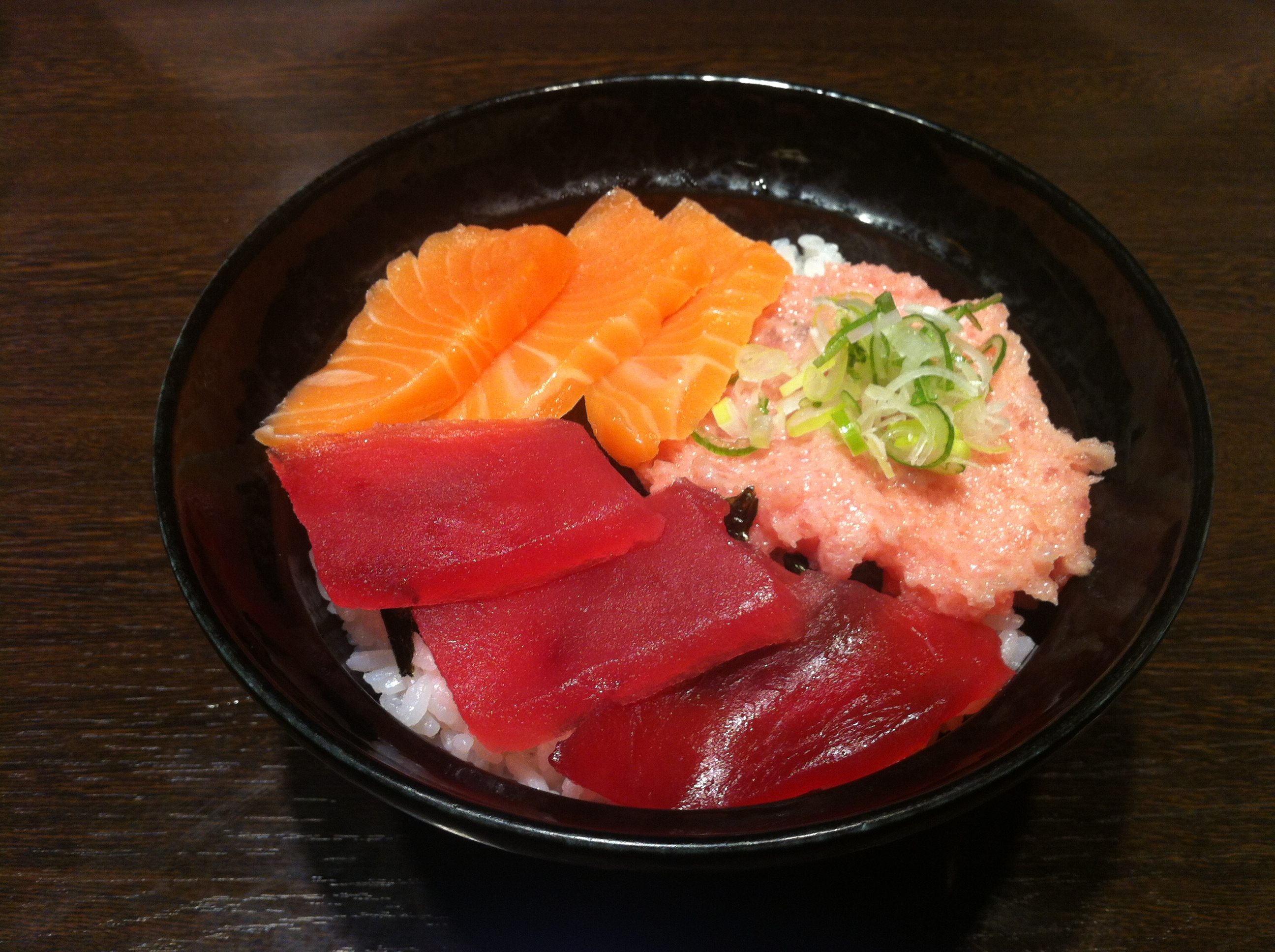 Kaisendon   sashimi fish bowl   july 2014