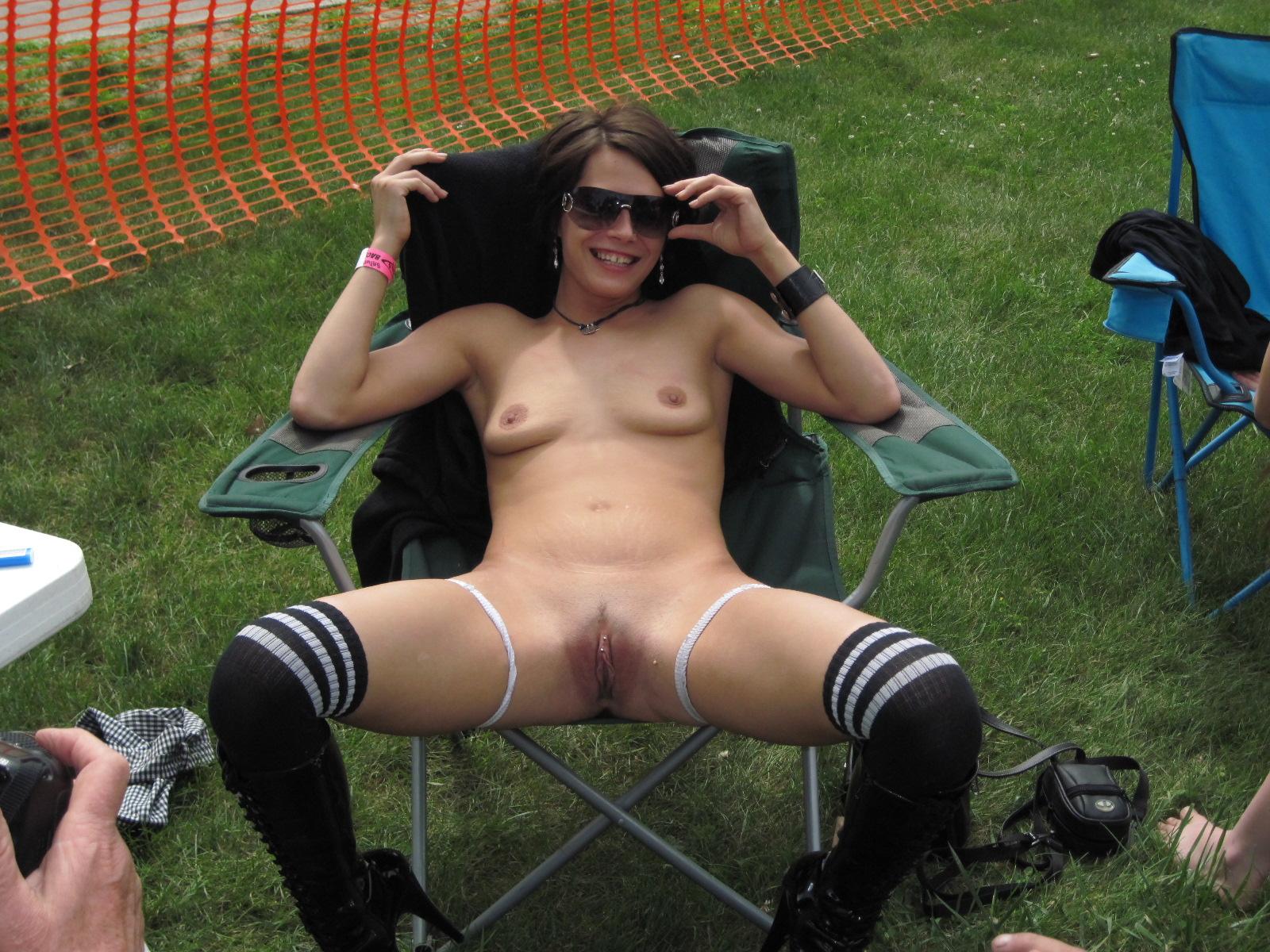 Slutty nude photos