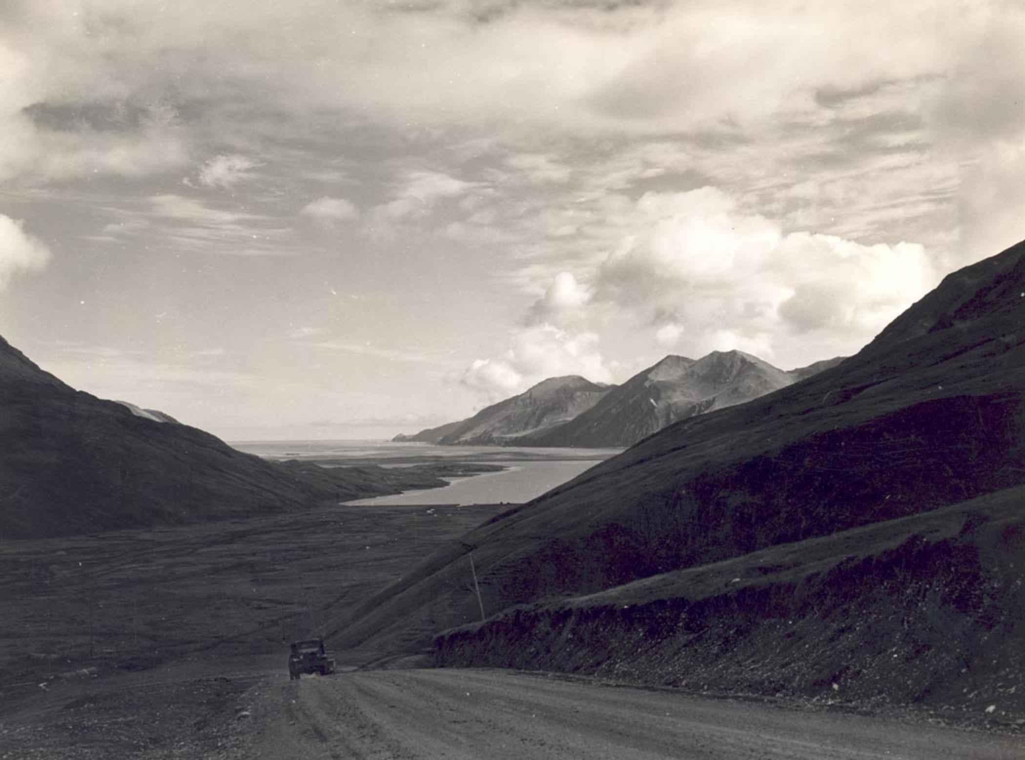 File:Landscape scenics vintage road photo.jpg - Wikimedia ...