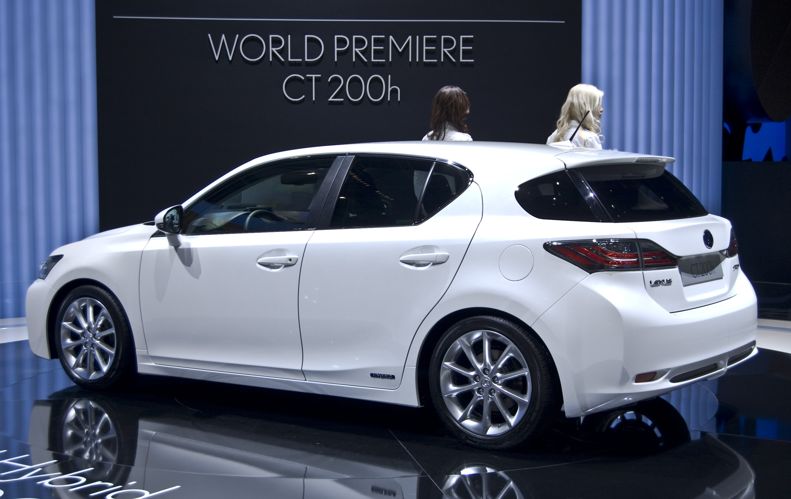 Filelexus ct200h rearg wikimedia commons filelexus ct200h rearg publicscrutiny Images