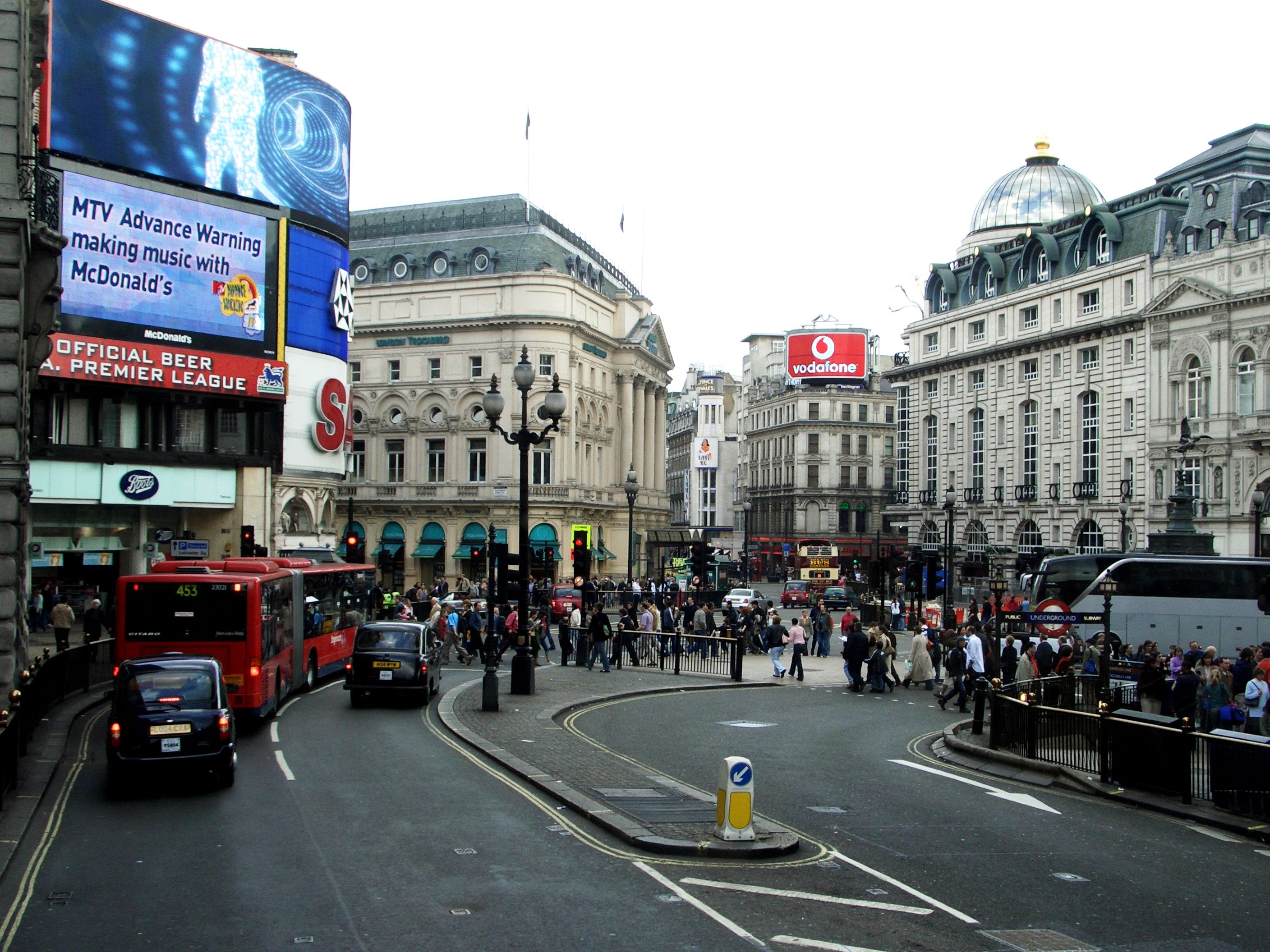 Piccadilly Circus - Wi...