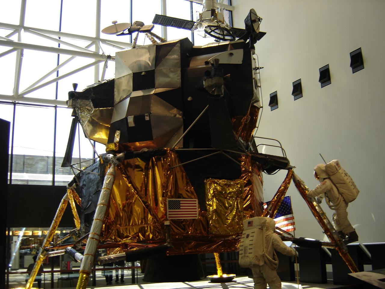 parachute module moon landing - photo #23