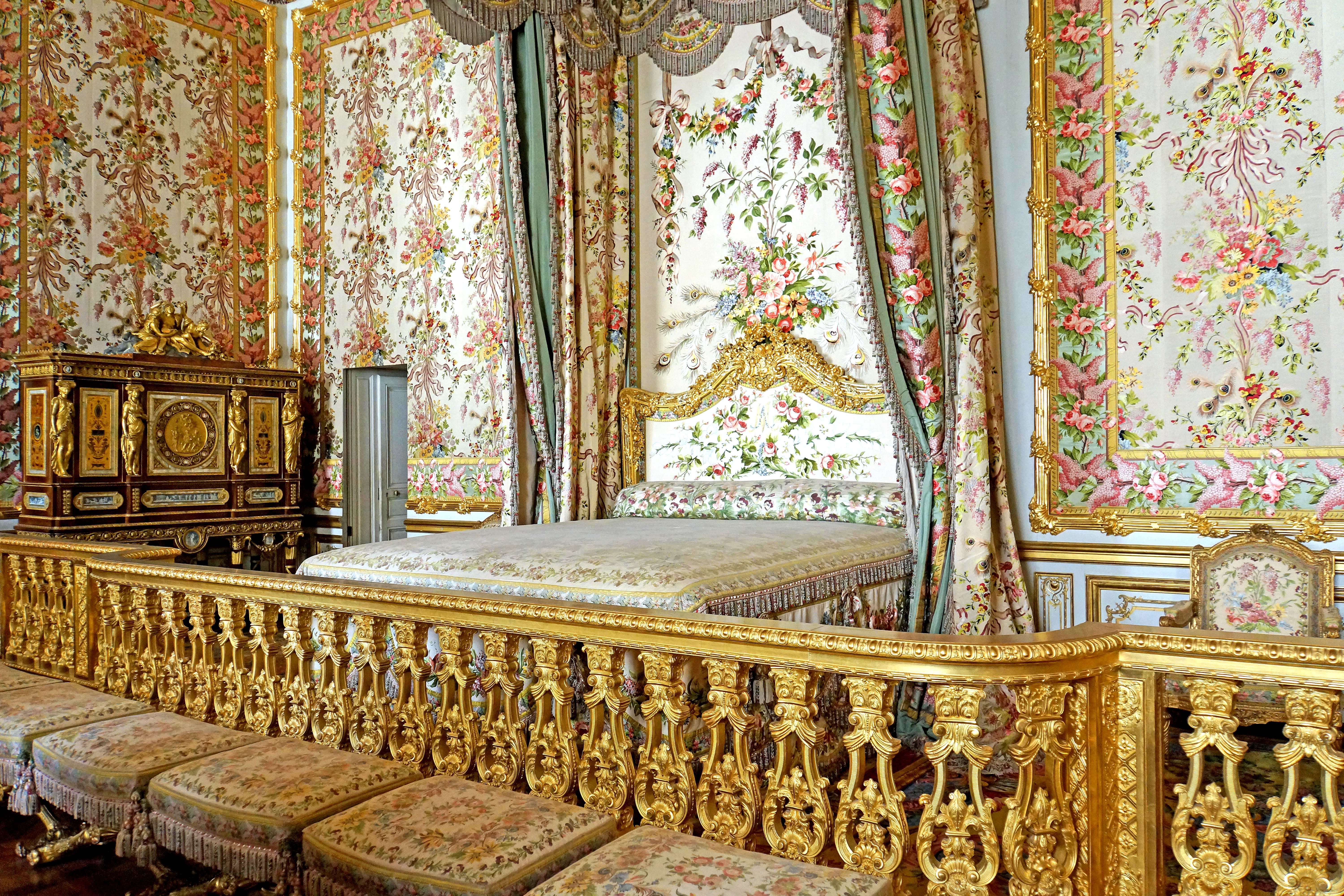 Fantastic File Marie Antoinettes Bedroom Versailles 22 June 2014 002 Interior Design Ideas Apansoteloinfo