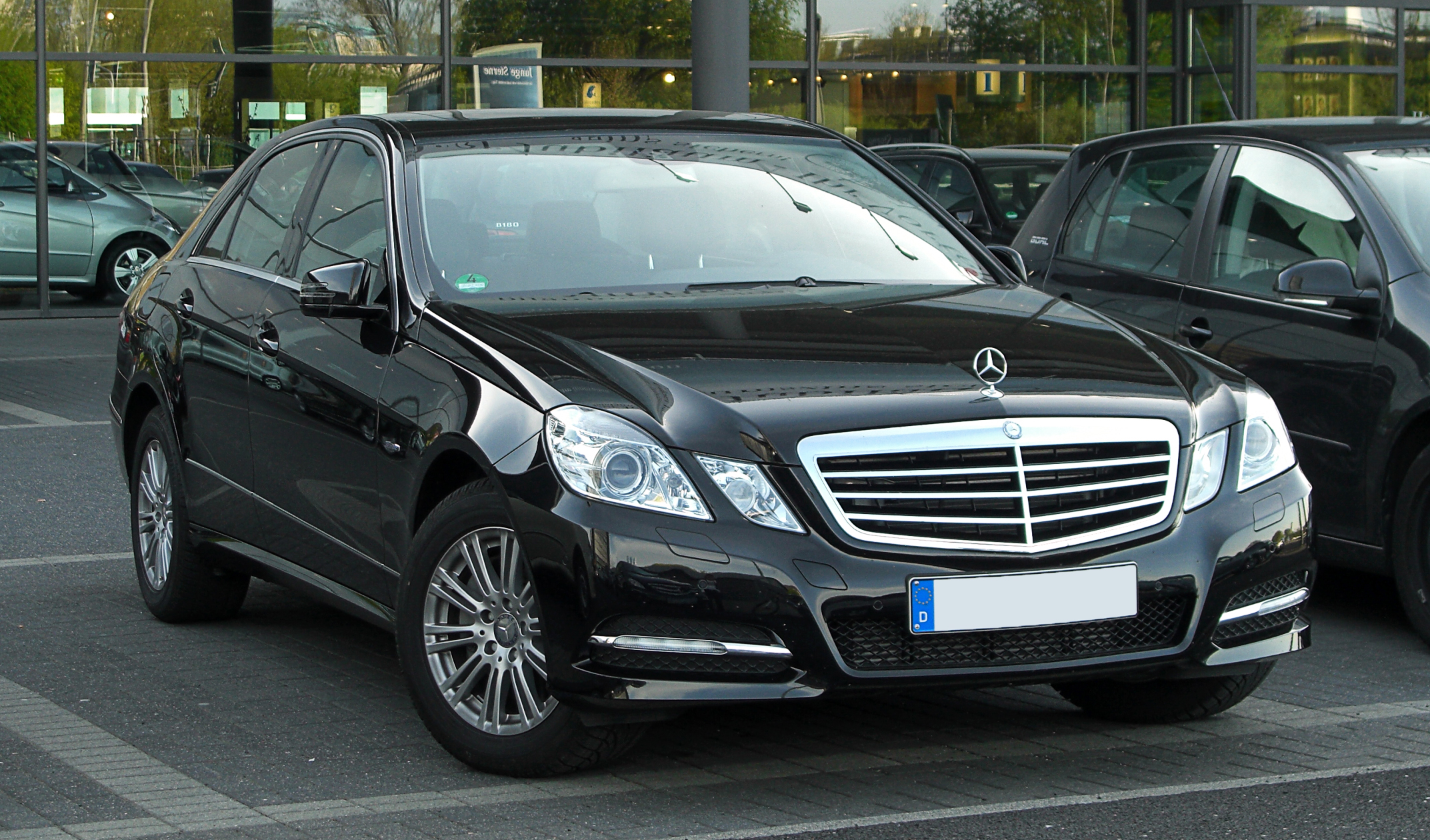 file mercedes benz e 350 cdi blueefficiency avantgarde w 212 frontansicht 9 april 2011. Black Bedroom Furniture Sets. Home Design Ideas