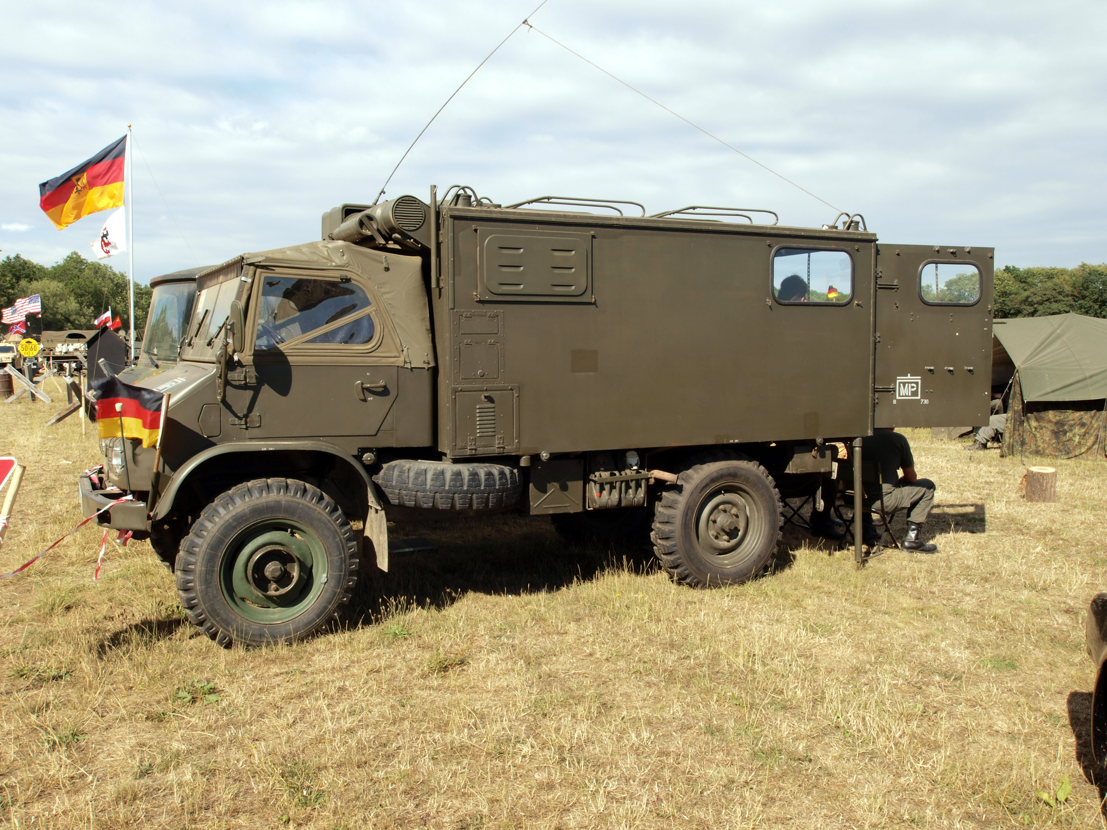 Image gallery military unimog for Mercedes benz military vehicles