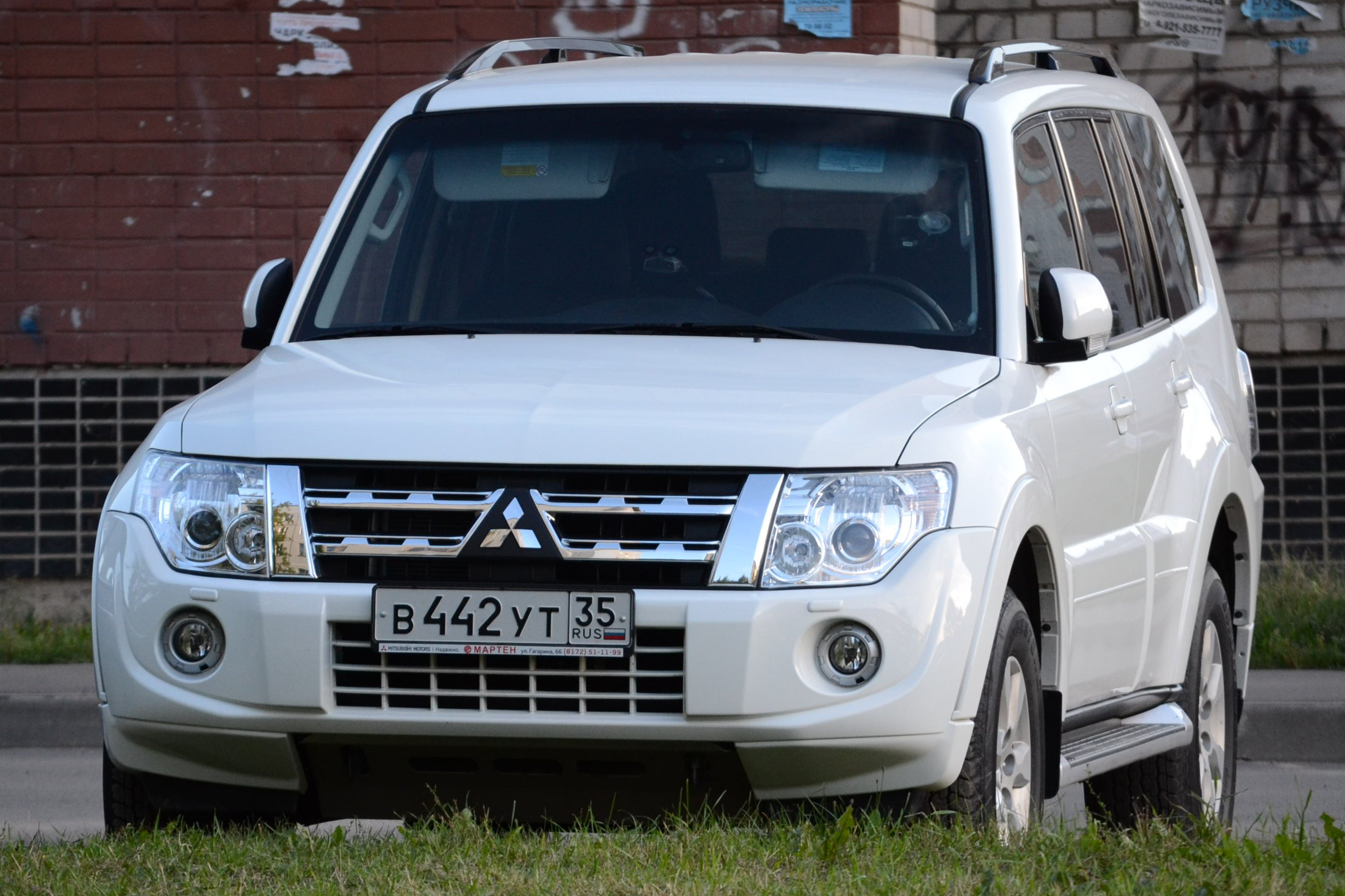 Build Your Mitsubishi >> File:Mitsubishi Pajero 2012.JPG - Wikimedia Commons