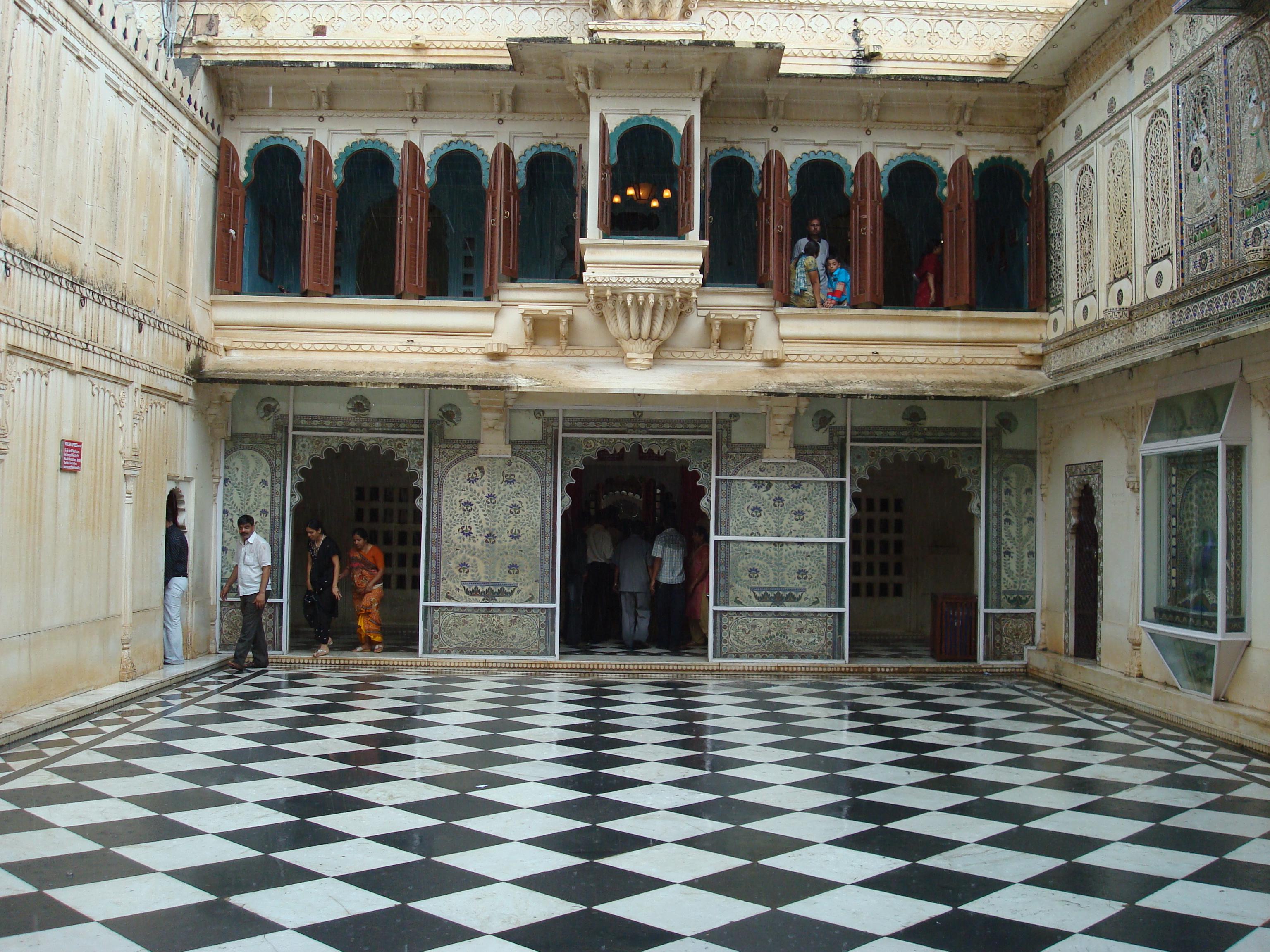 FileMor Chowk City Palace Udaipur