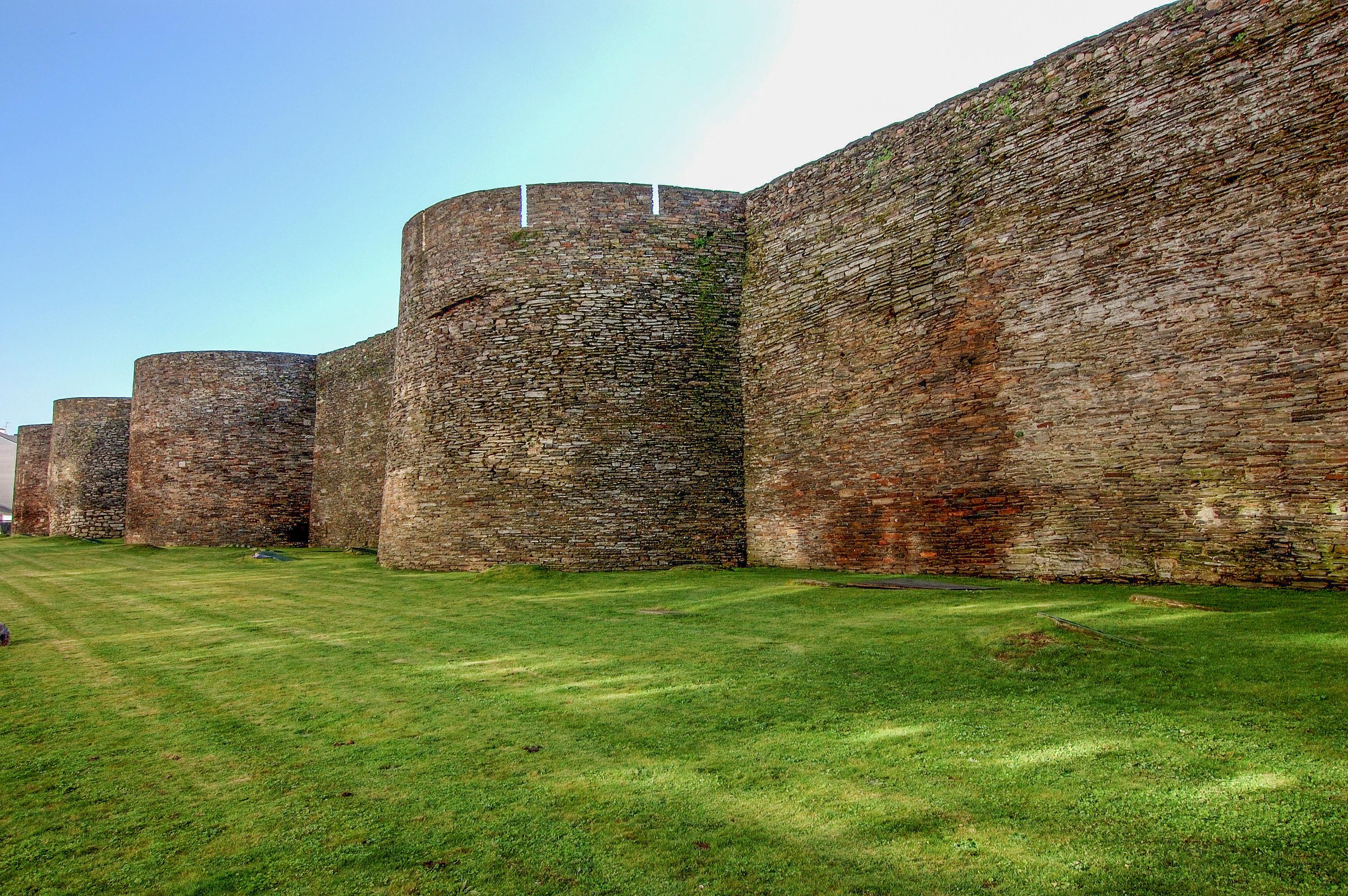 Resultado de imagen de muralla romana de lugo
