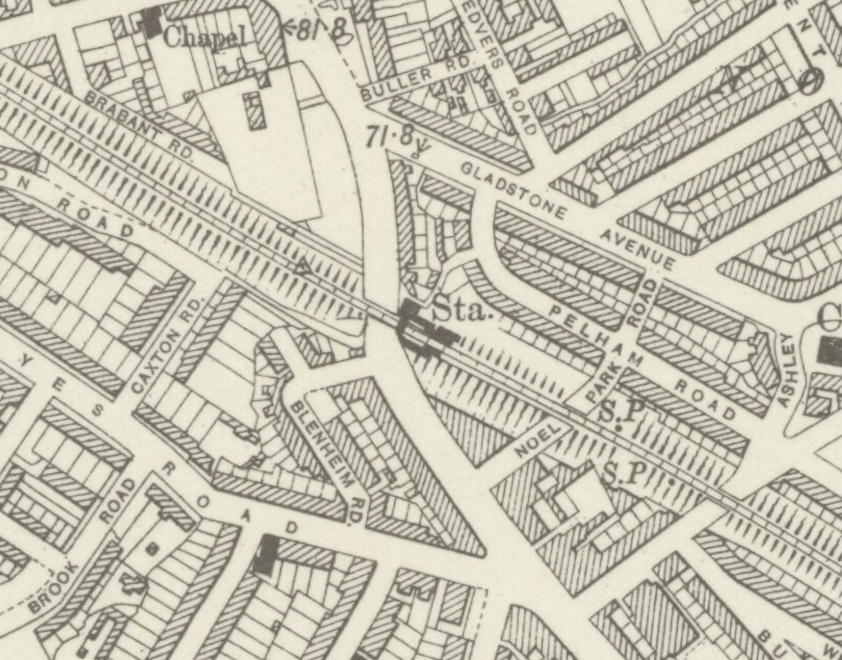 Noel Park and Wood Green railway station