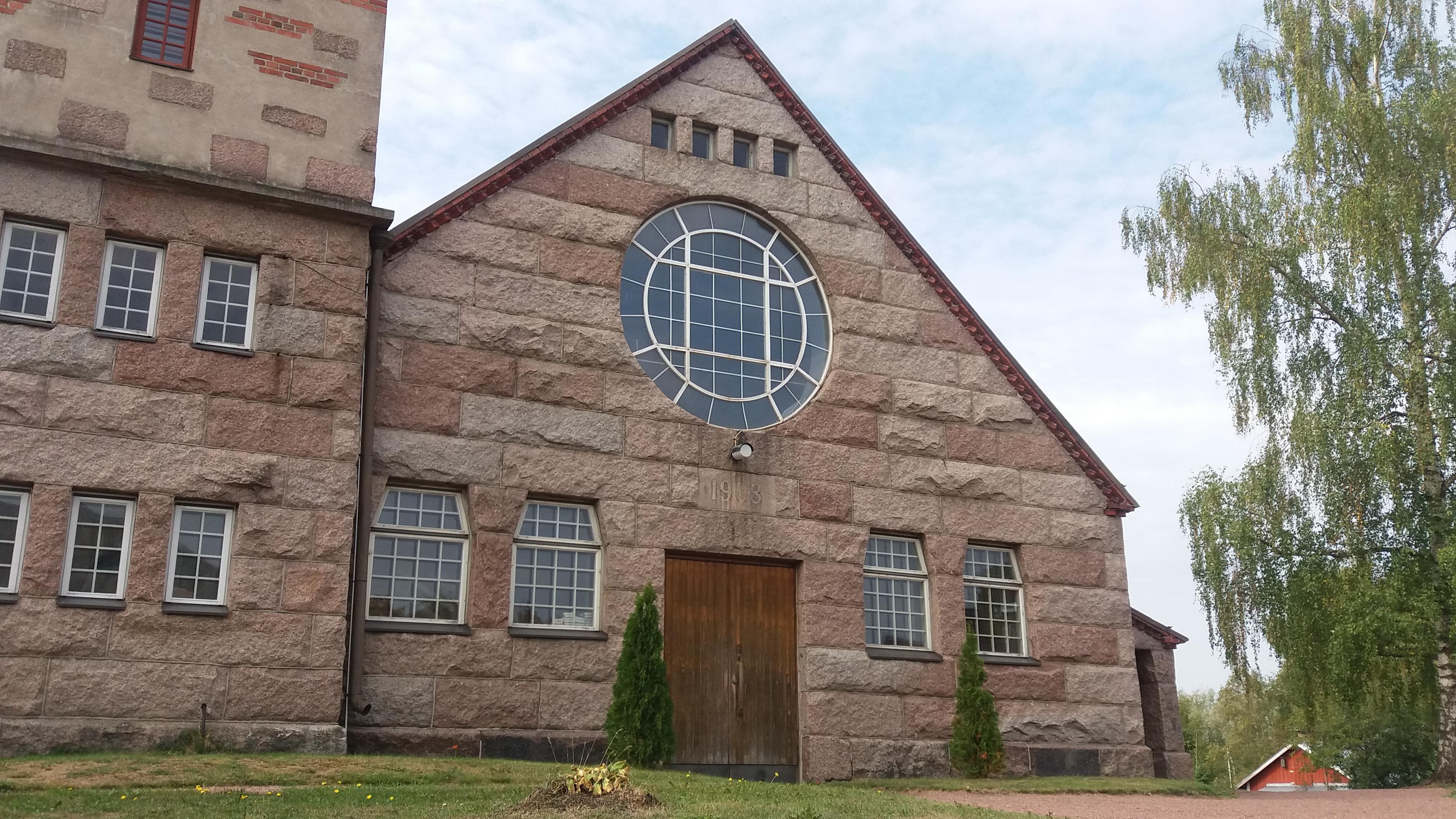 Panelian kirkko (004).jpg