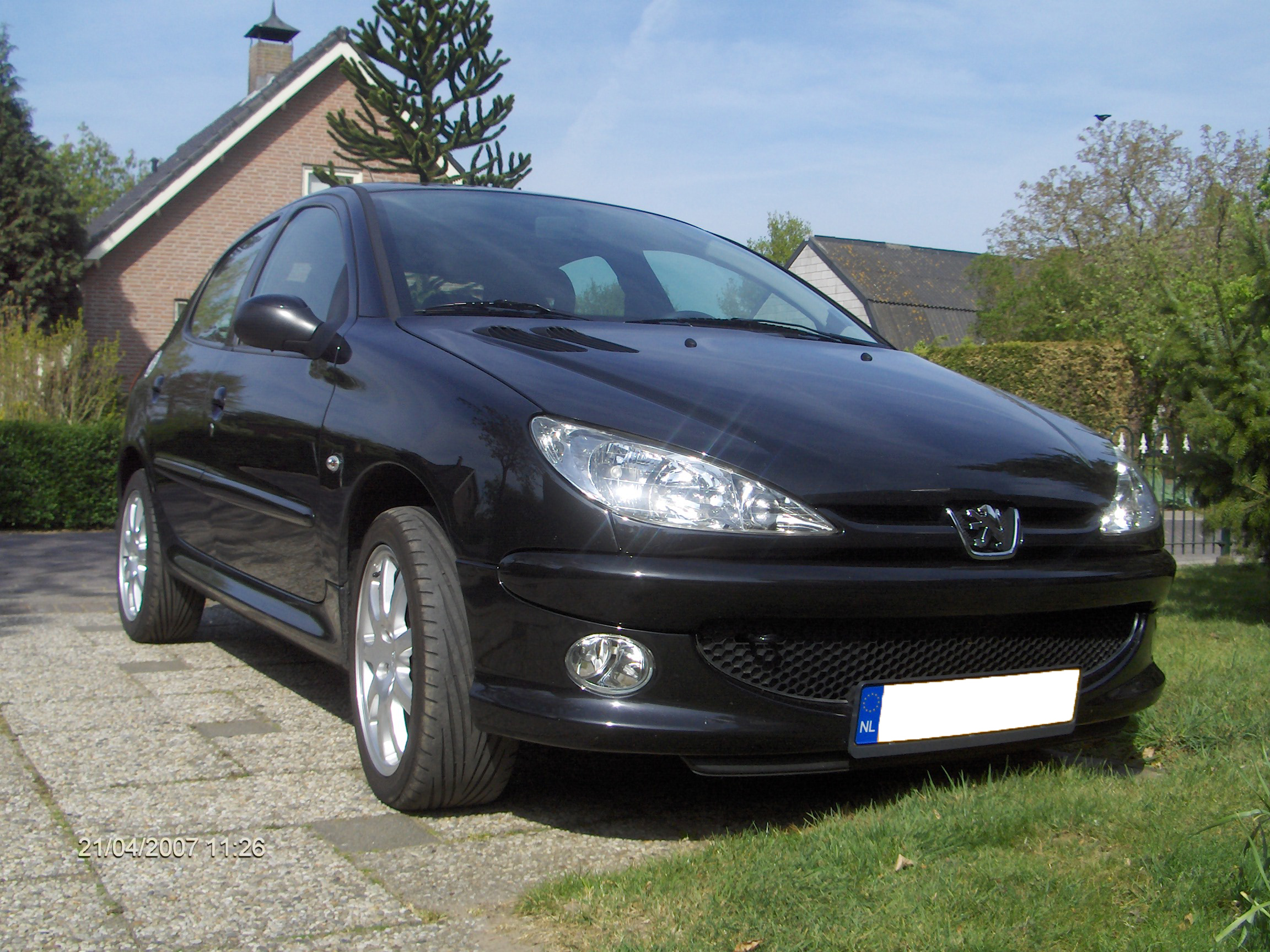 peugeot 206 review and pics new fastest cars. Black Bedroom Furniture Sets. Home Design Ideas