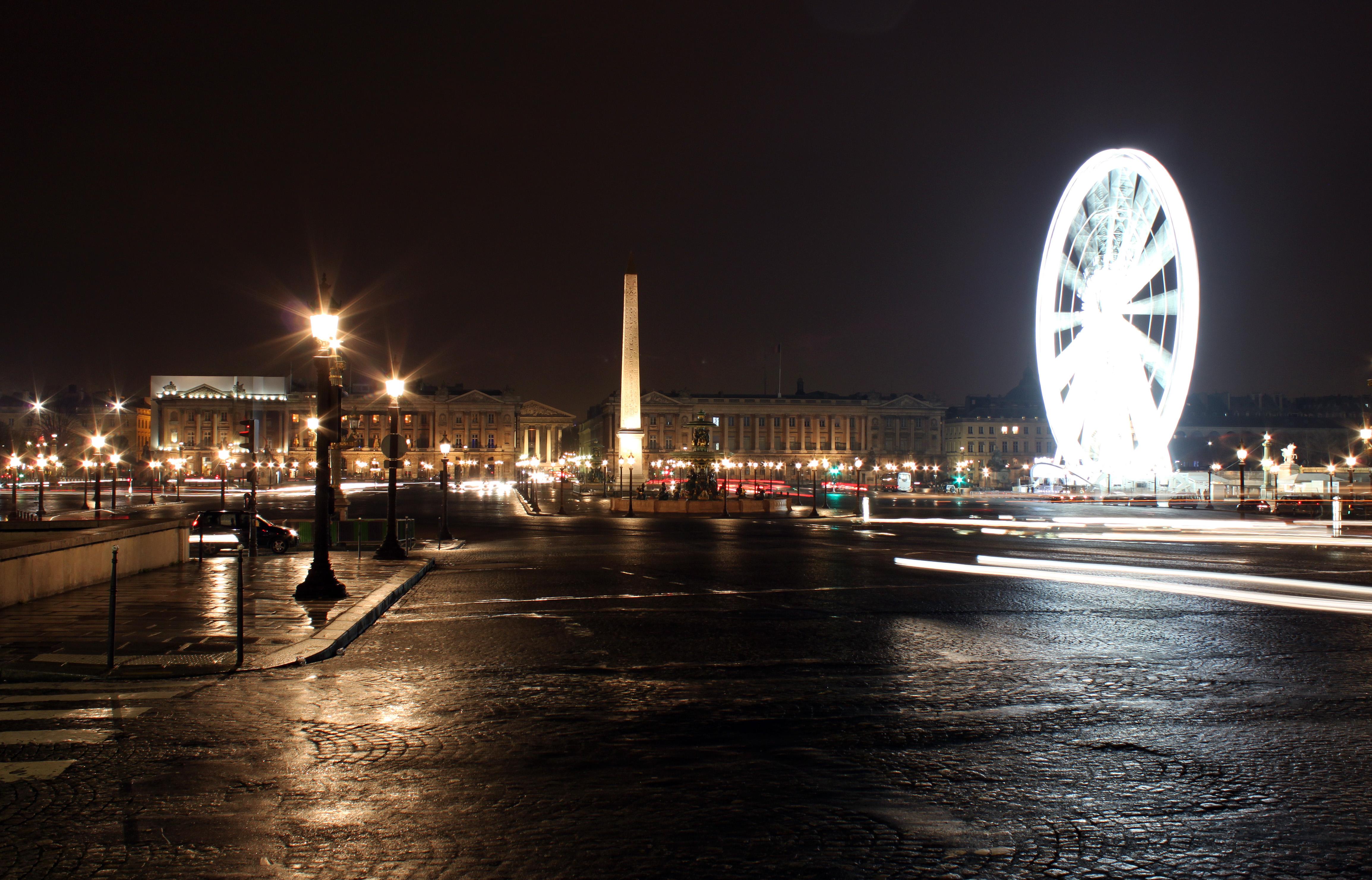 Place de la concorde by night.jpg