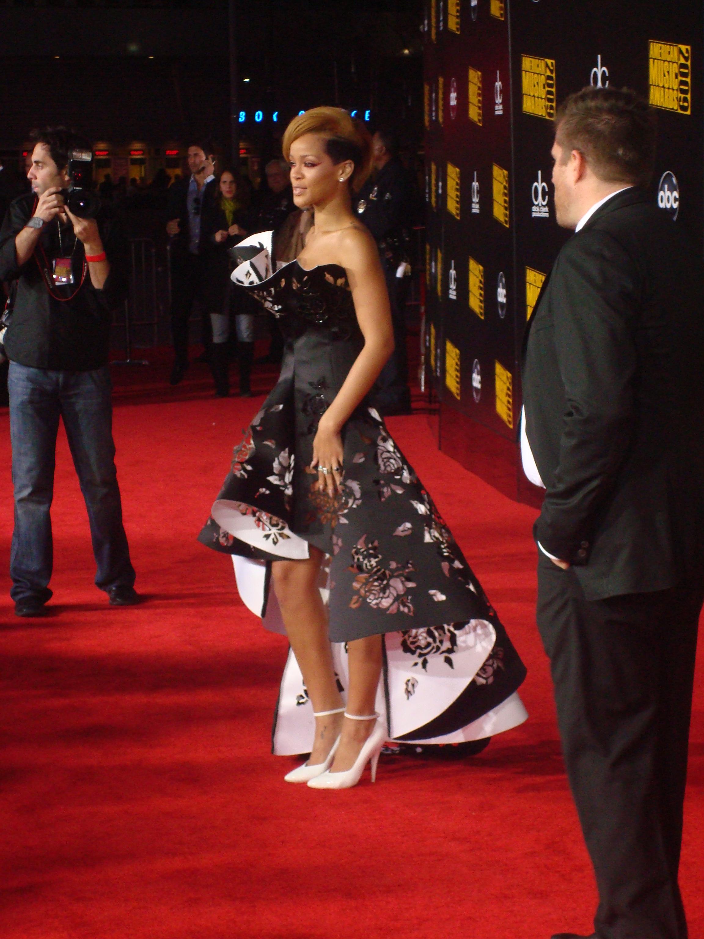 File:Rihanna 2009 AMA.jpg - Wikimedia Commons Rihanna Work