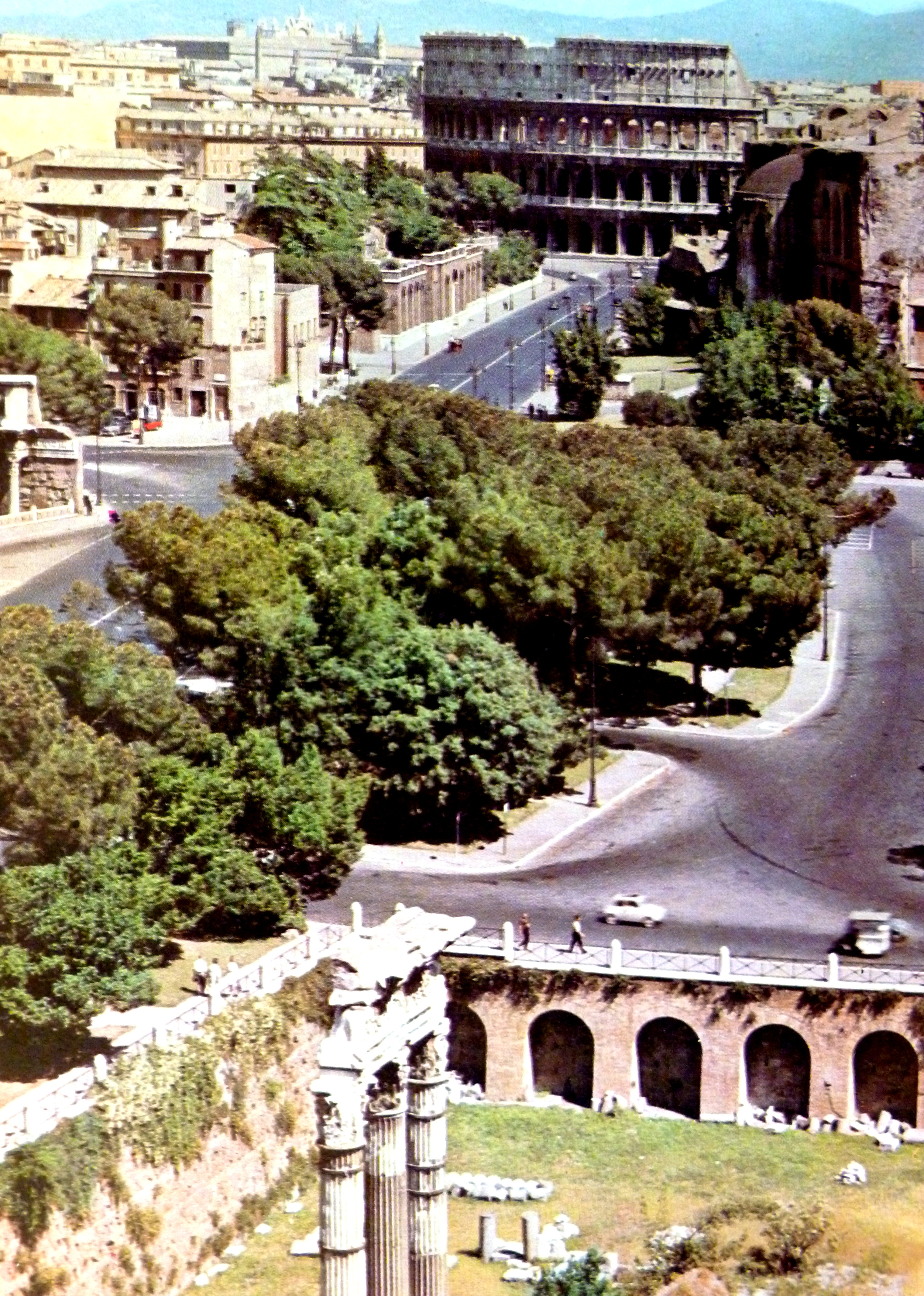 File:Rione I Monti, Roma, Italy - panoramio (43).jpg ...
