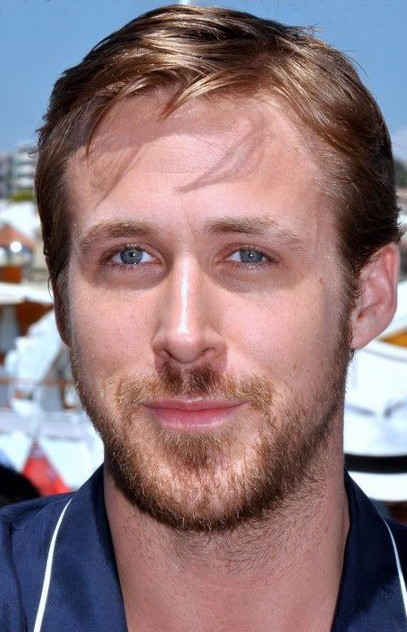 The 37-year old son of father Thomas Gosling and mother Donna Gosling, 185 cm tall Ryan Gosling in 2017 photo