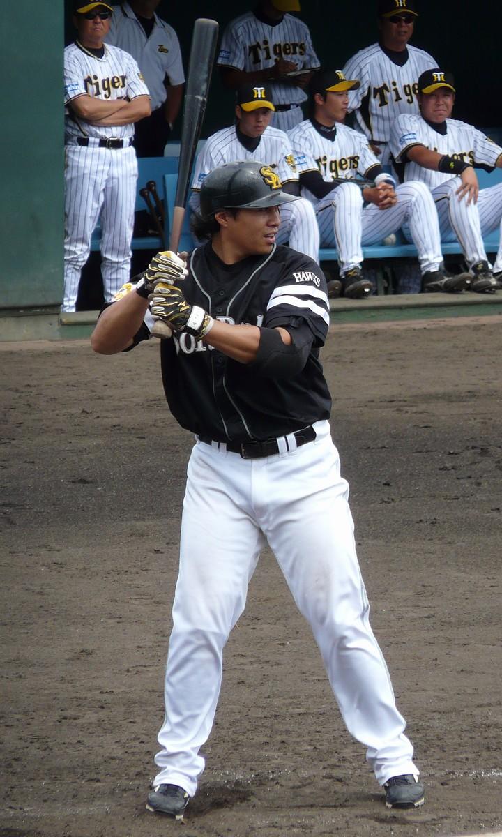 Chris Aguila - Wikipedia
