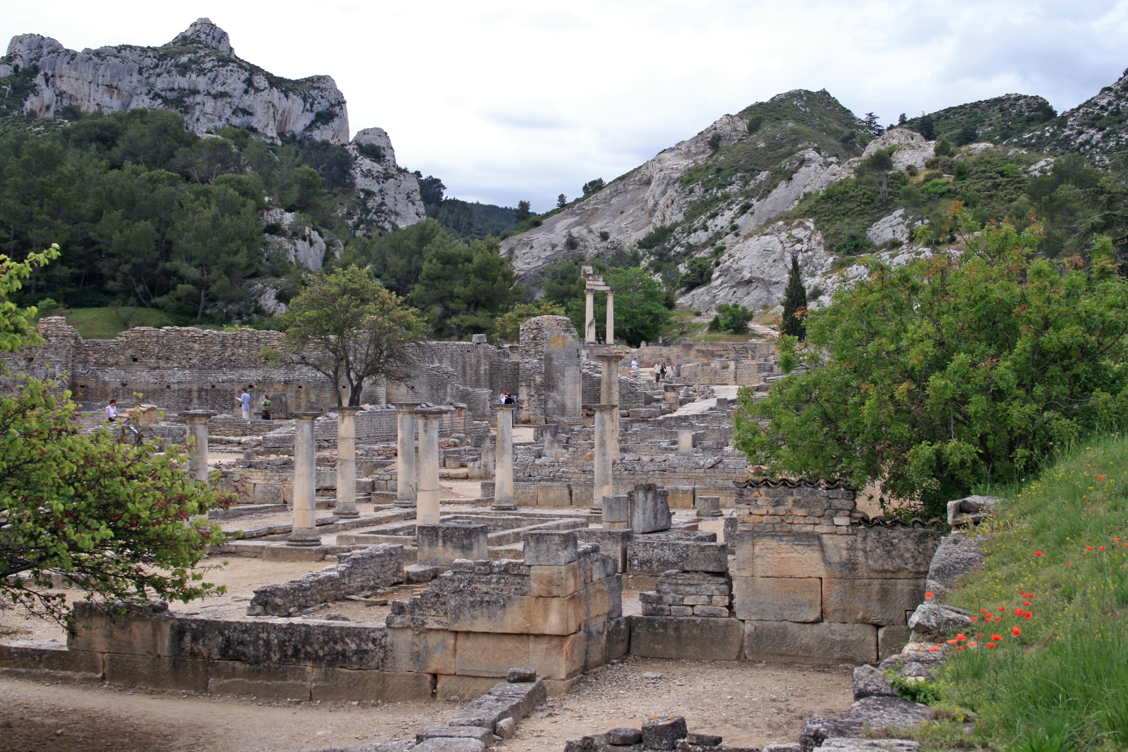 saint-remy-de-provence-glanum