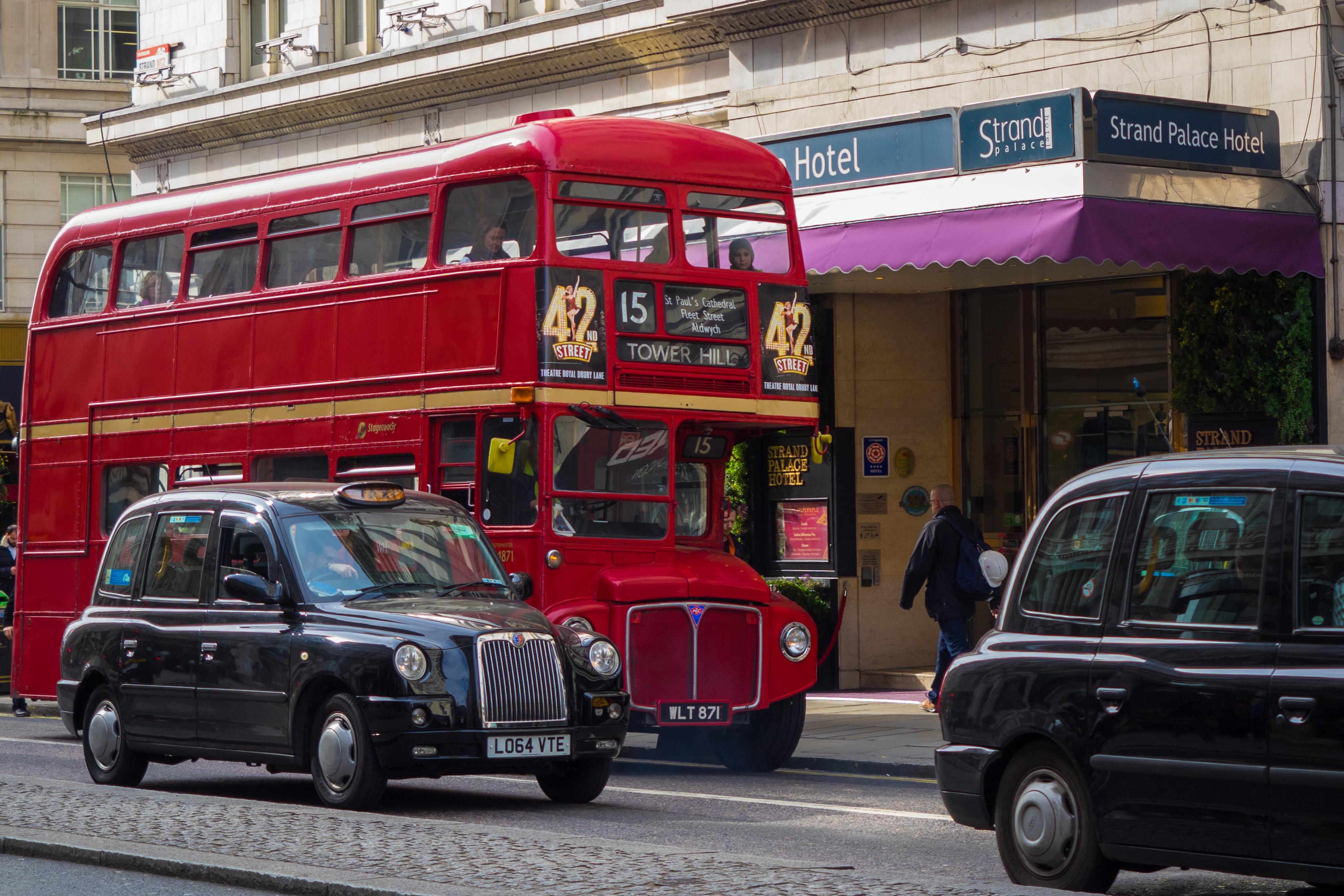 Afbeeldingsresultaat voor london city bus cab