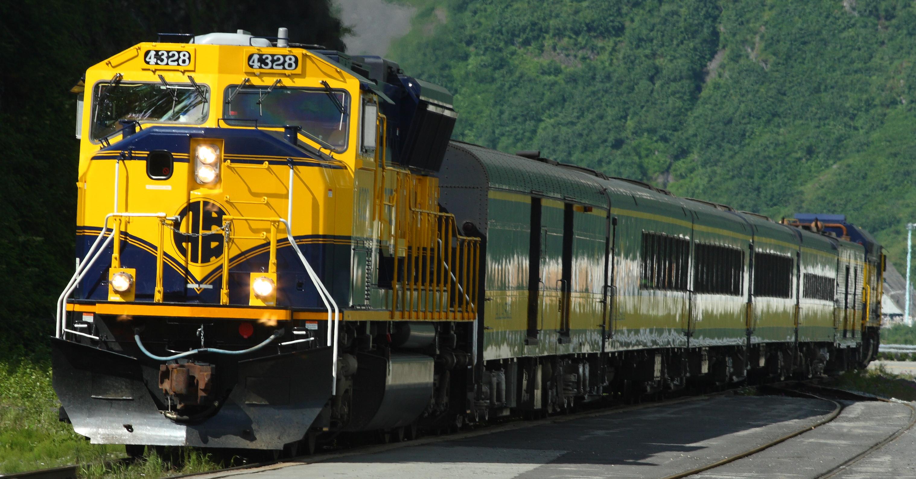 File The Alaska Railroad Bringing A Load Of Tourists Into