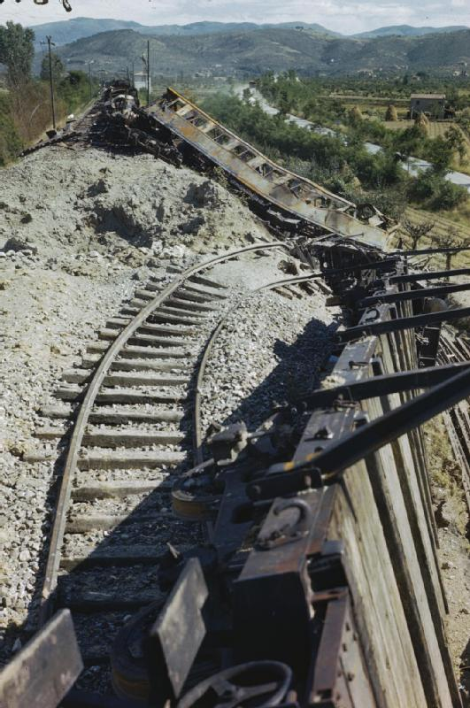 arezzo chiusi italy train - photo#24