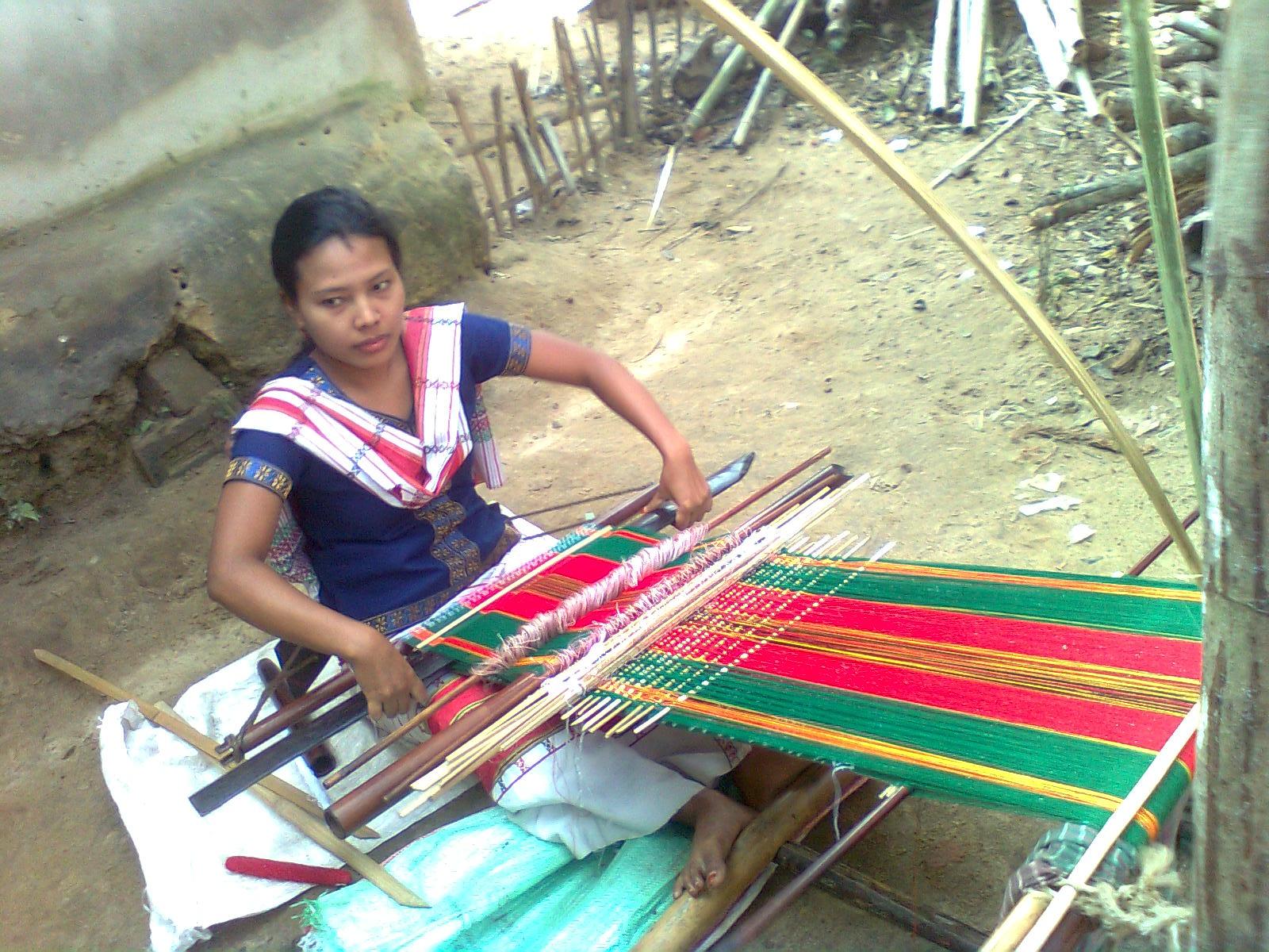 File:Tripura Woman With Her Handloom, Srimangal, 2010 by Biplob