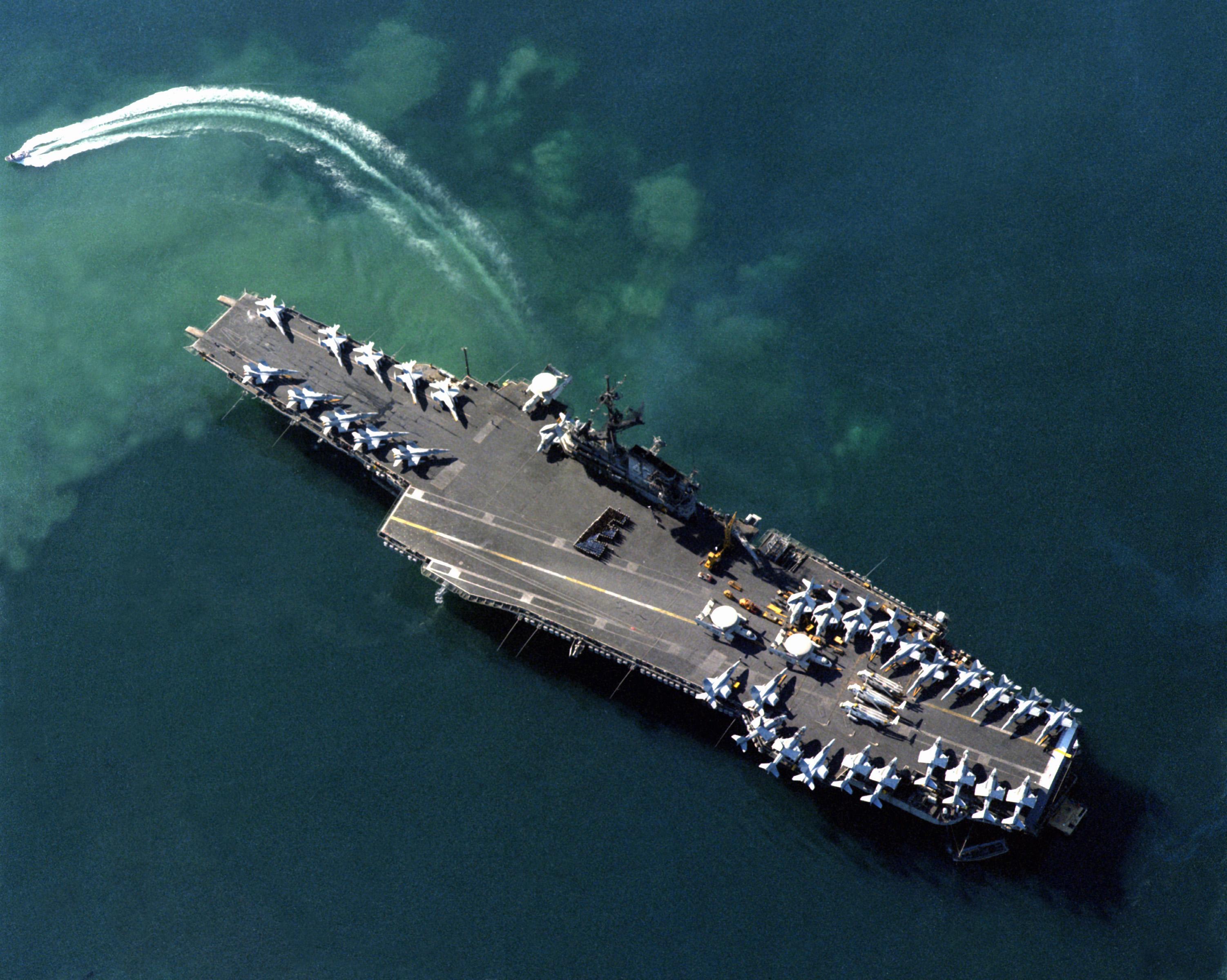 Aircraft Carrier Admiral Kuznetsov: News #1 - Page 18 USS_Coral_Sea_(CV-43)_aerial_photo_at_Benidorm_1988