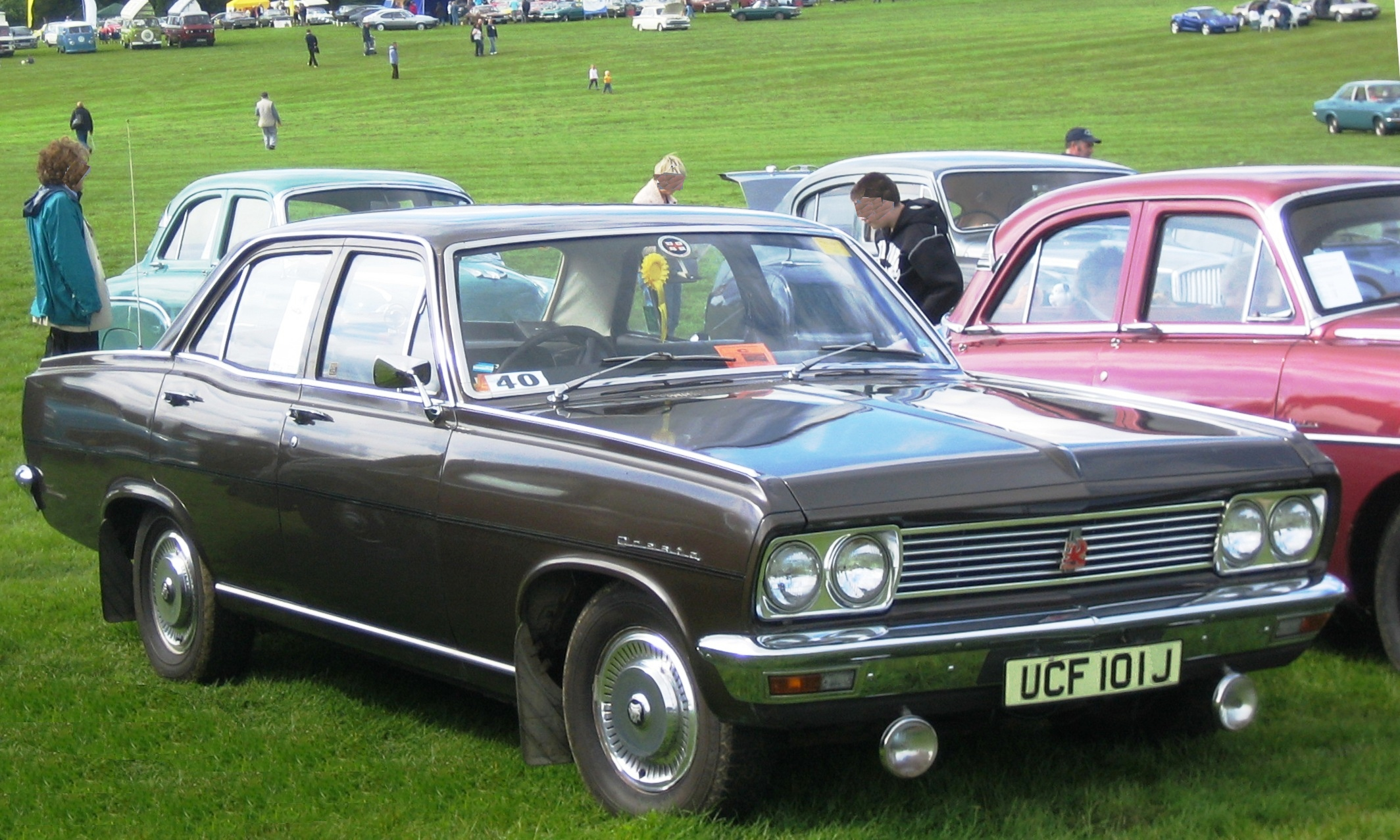 Vauxhall_Cresta_PC_license_plate_1970.jpg