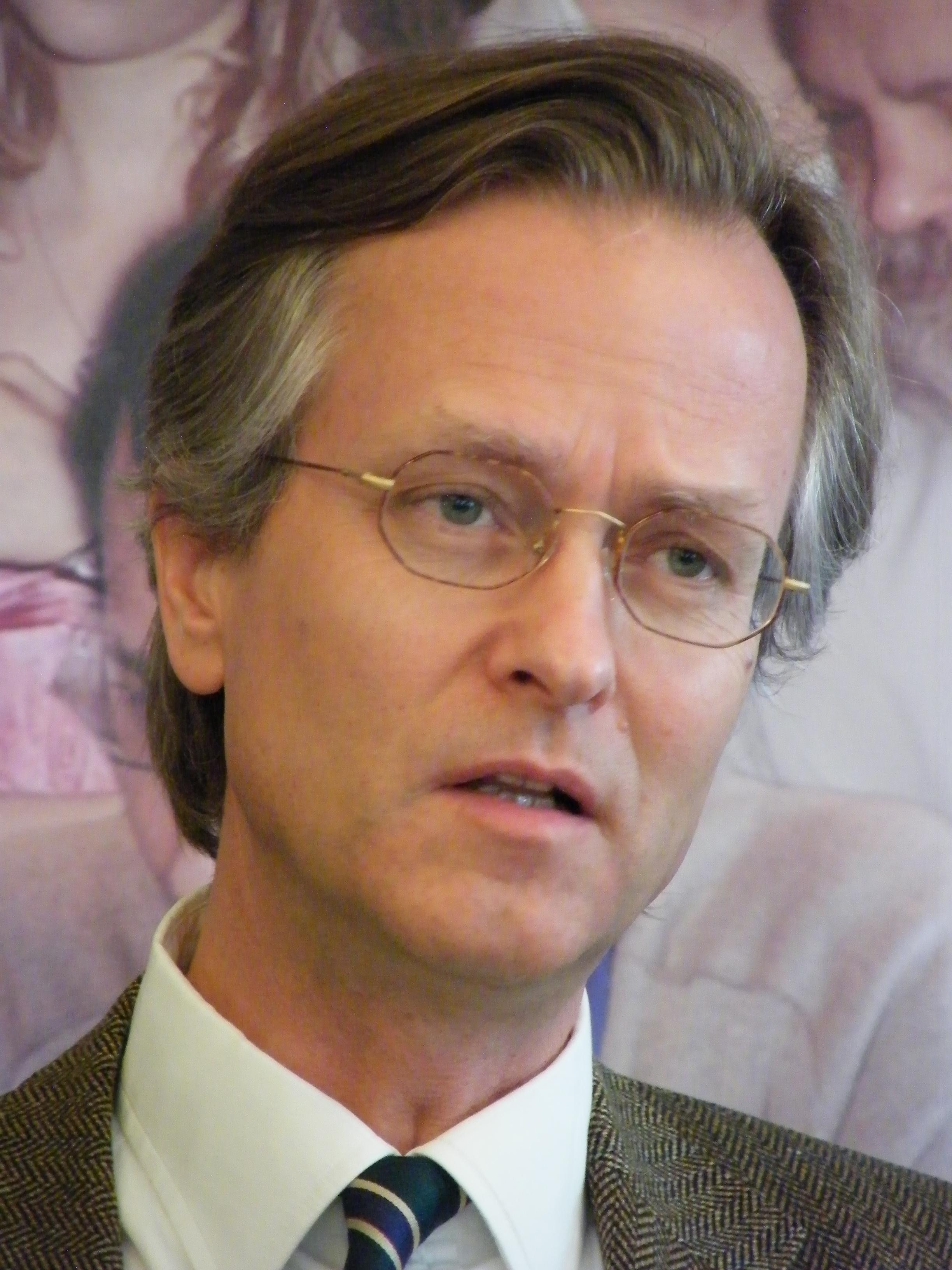 Robert K. von Weizsäcker – Wikipedia