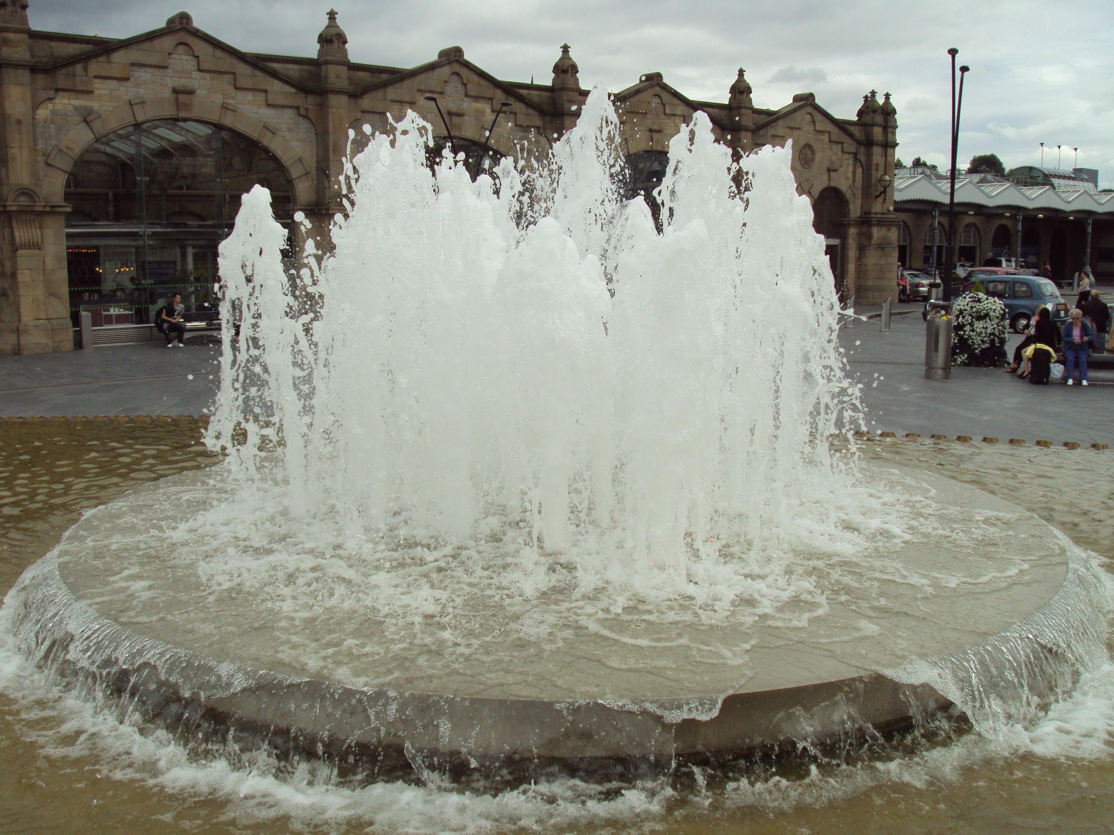 Remarkable File:Water fountain outside Sheffield railway station - DSC07417. 3648 x 2736 · 3677 kB · jpeg